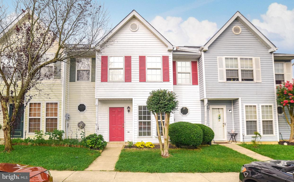 Really nice townhouse just outside of gate 3.  New flooring and fresh paint throughout.  2 bedrooms,