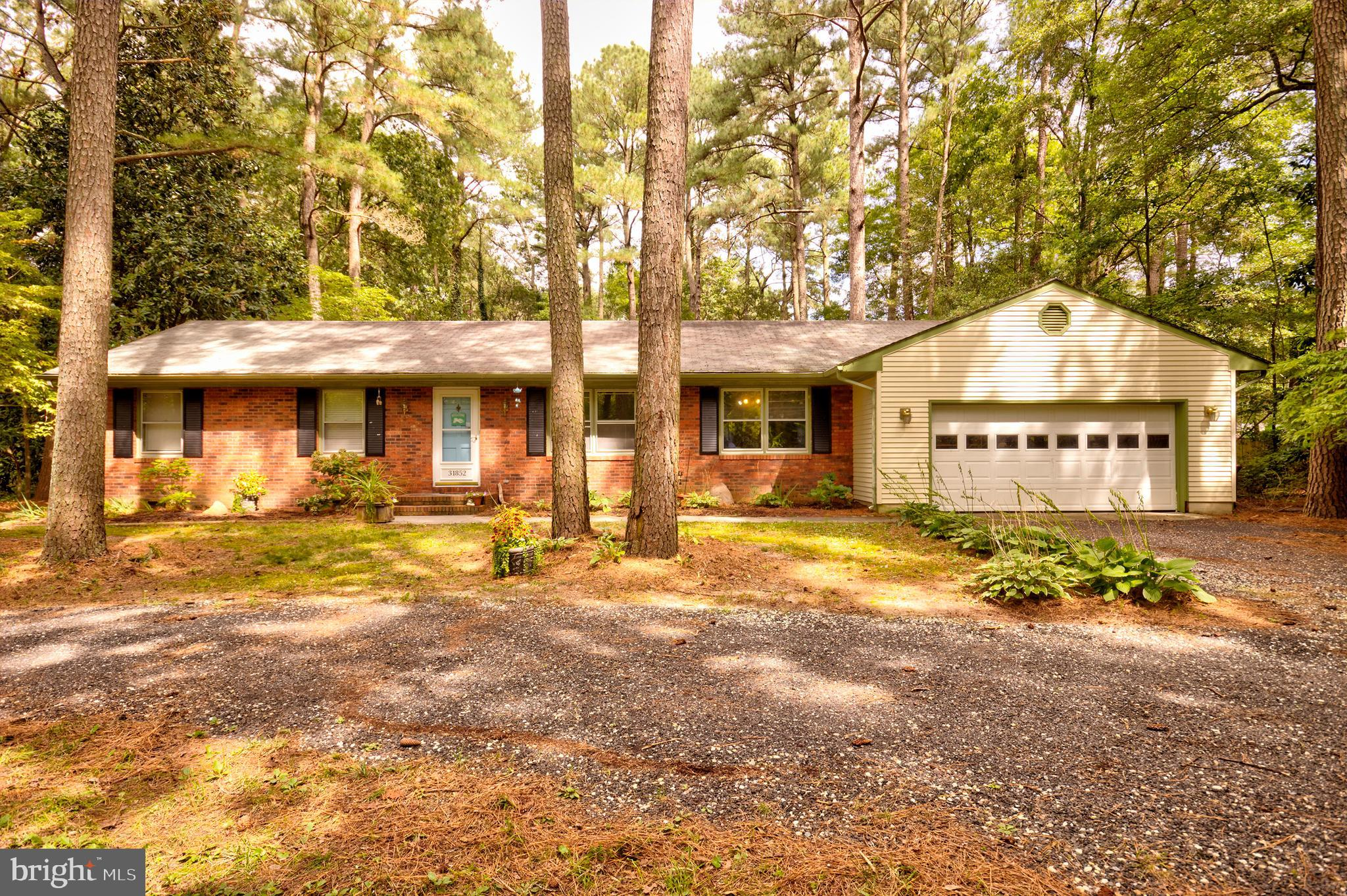 Looking for that perfect place to finally call home?  Look no further than this attractive 3 bedroom