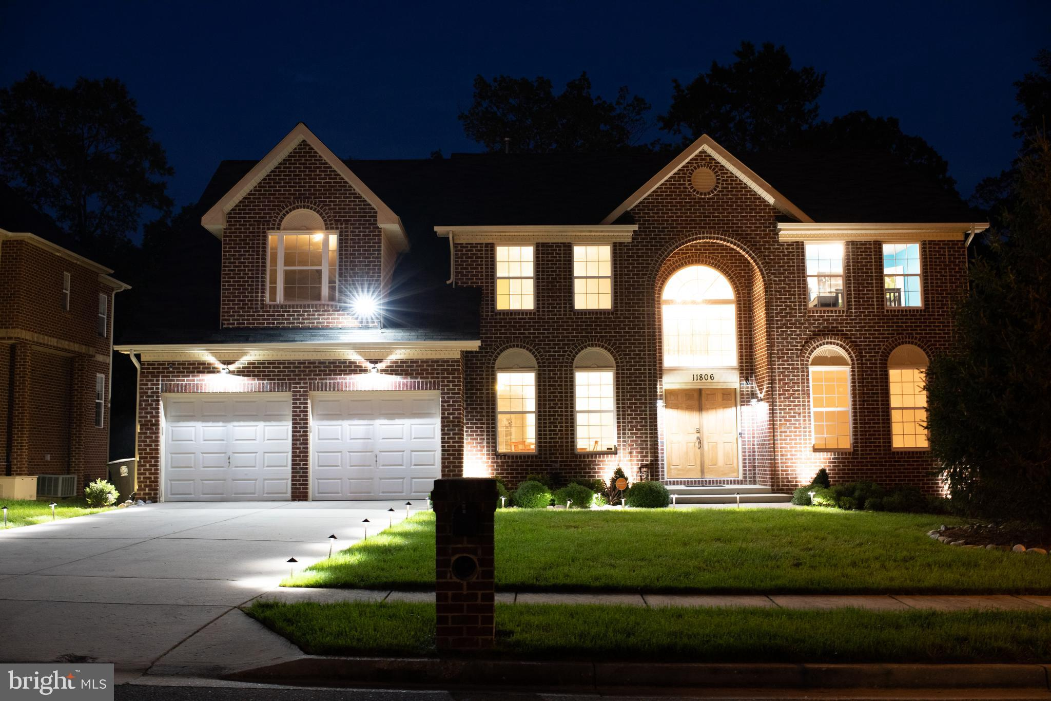 Welcome Home!  This beautiful 5 bed 3.5 bath home is a MUST SEE, and will amaze you with all the  sp