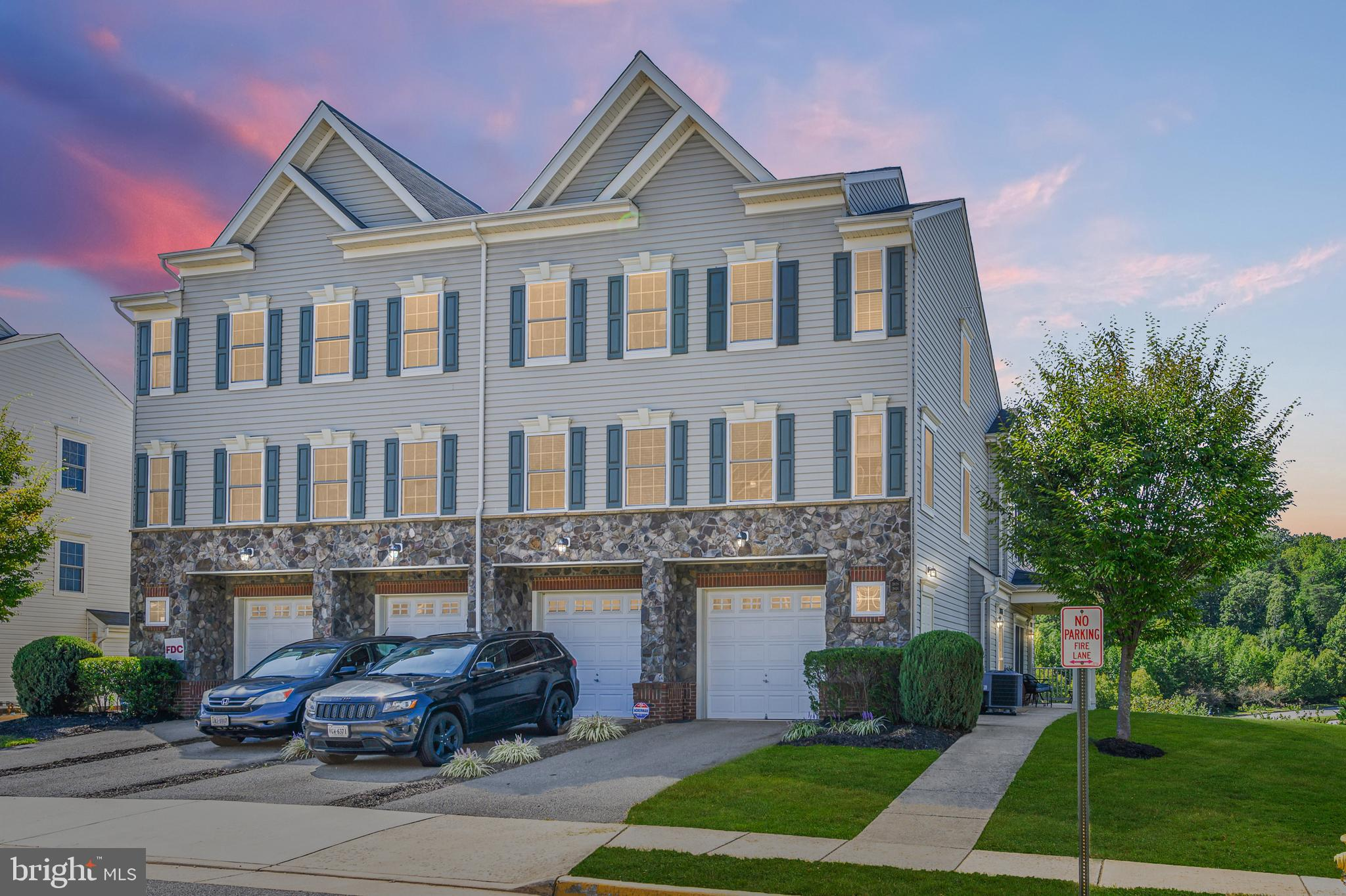 PRINSTINE MOVE IN READY CONDITION  3 level End Unit Townhouse Condo located minutes to Quantico, I95