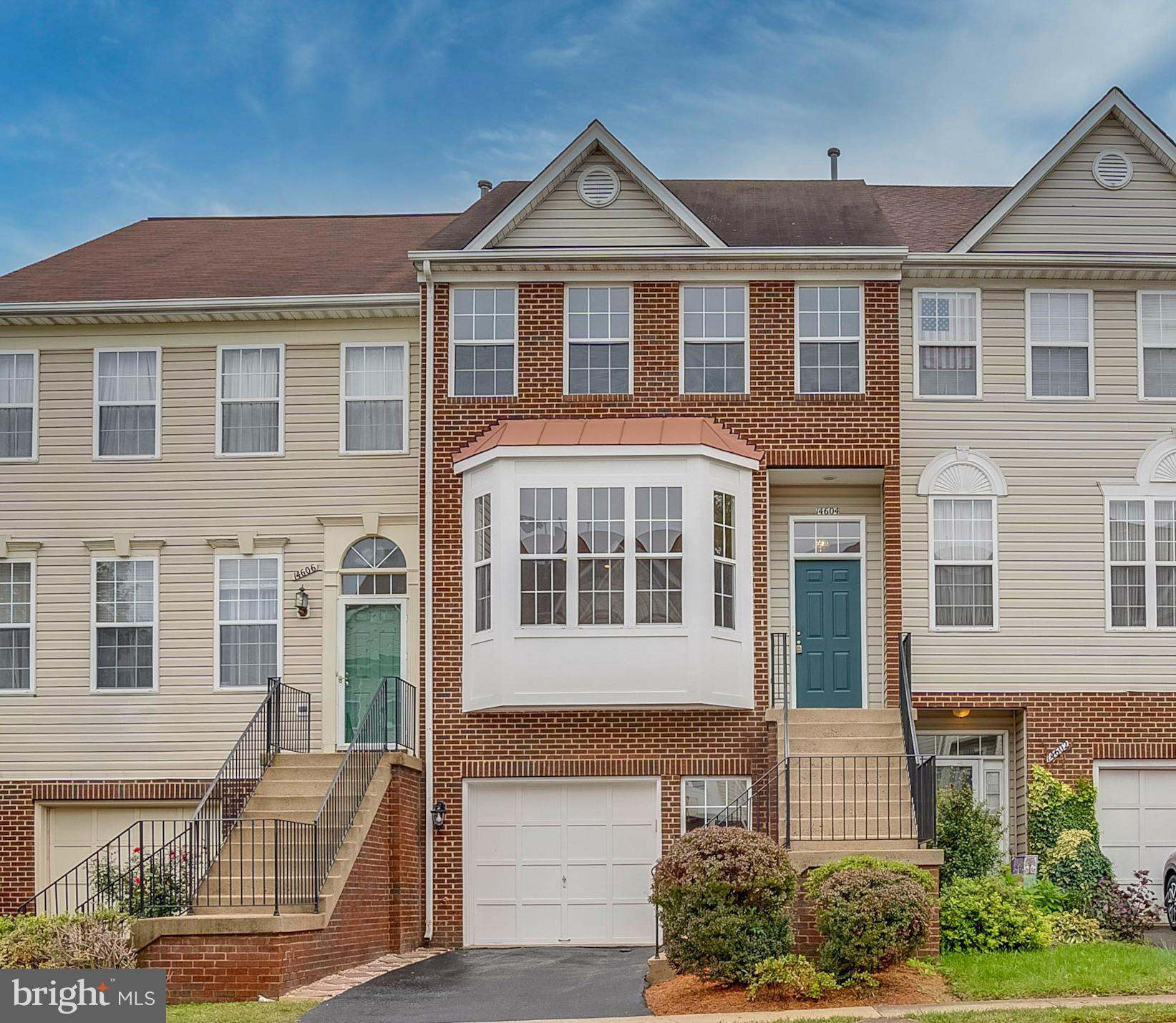 "Bright, and absolutely spectacular ""4 BR/3.5BA"" 3 fin levels in the heart of Centreville Community."