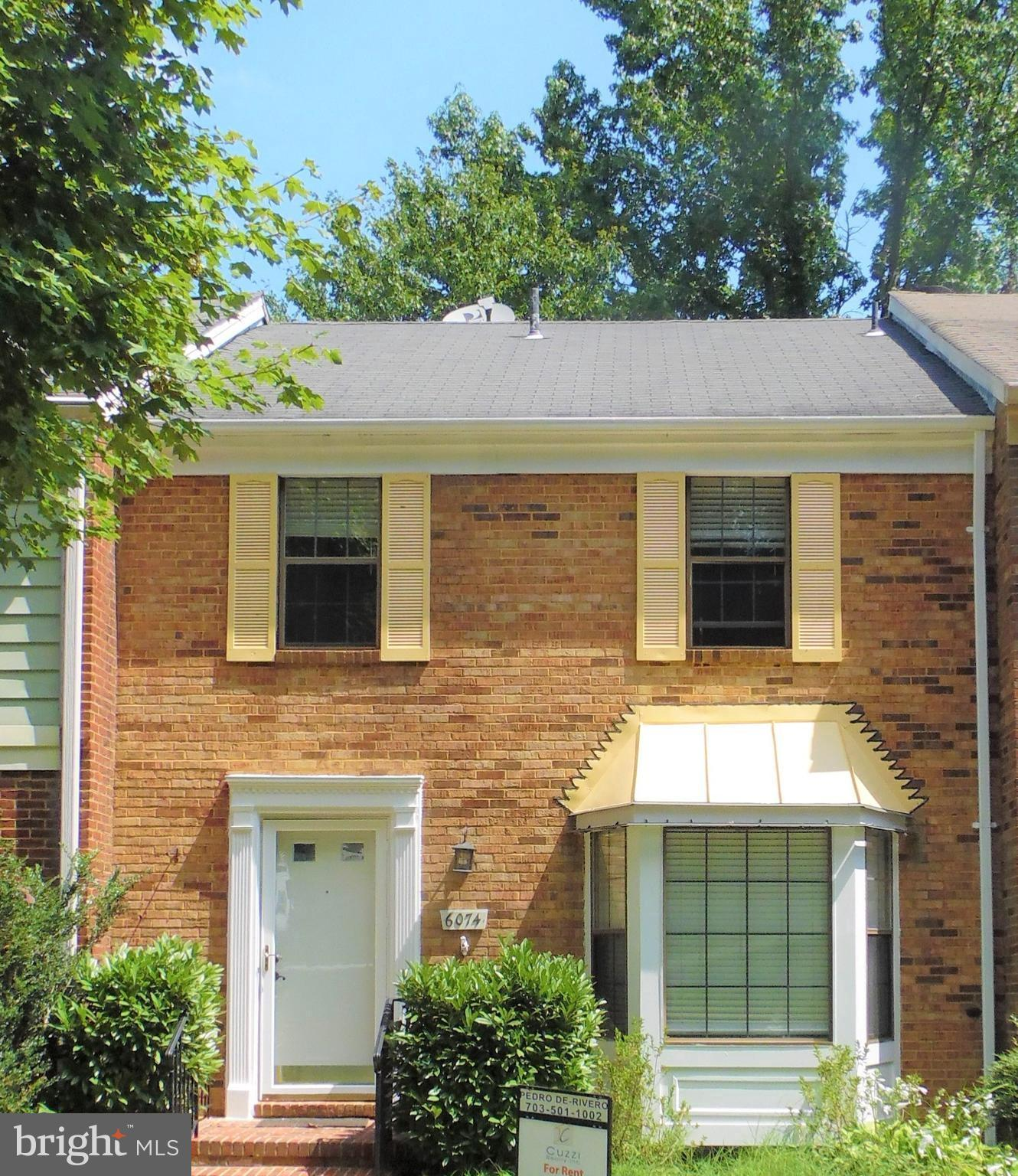 Brick Townhouse three levels on Cardinal Glen Subdivision. Three bedrooms, two full bathrooms and tw