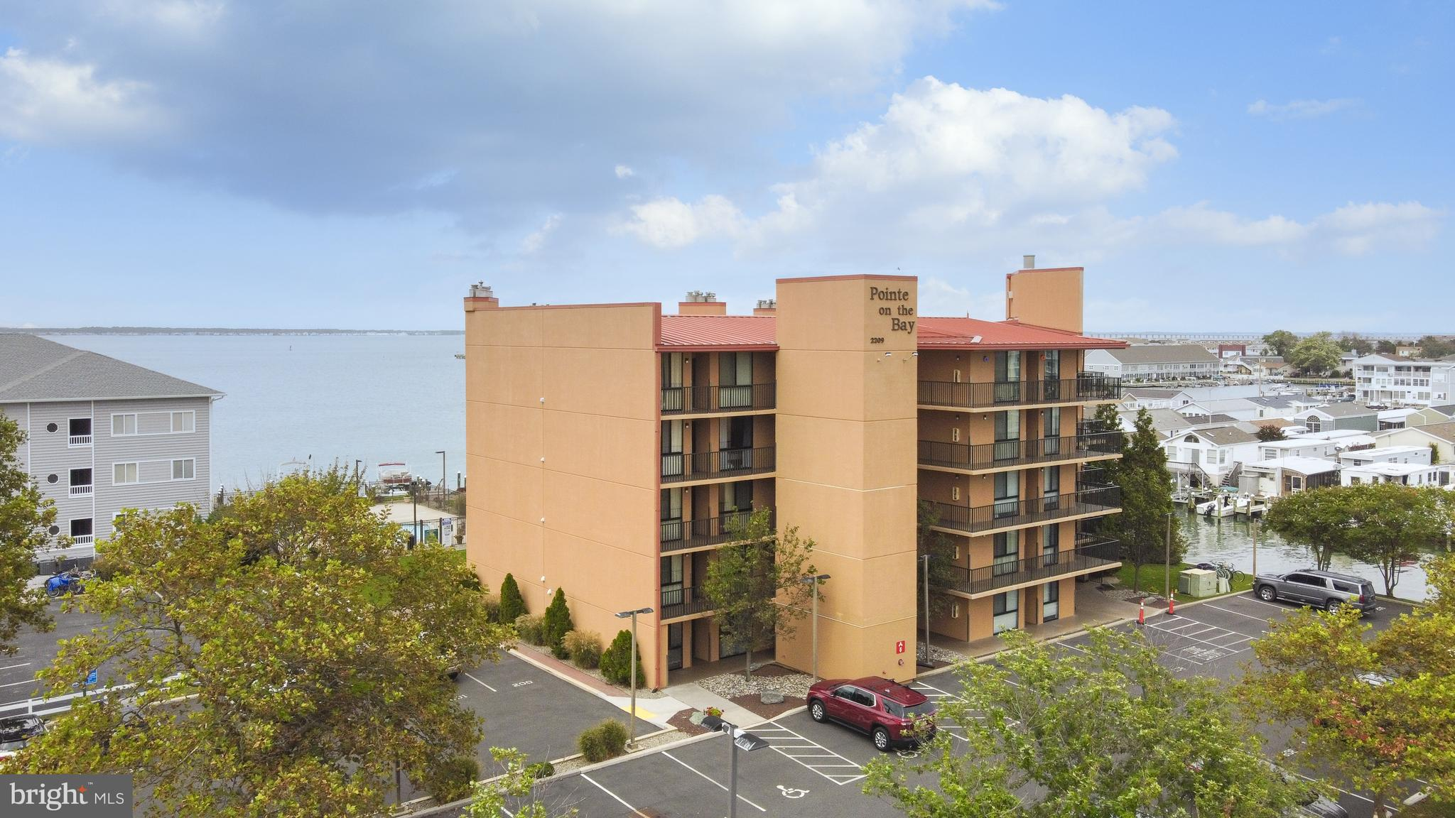 Rarely available 1 Bedroom Unit - 672 square feet - in Pointe on the Bay.  Enjoy beautiful west faci