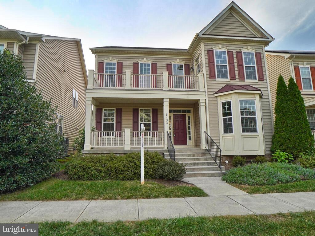 Elegant home in Brunswick Crossing- close to brand new shopping center and amenities. The natural li