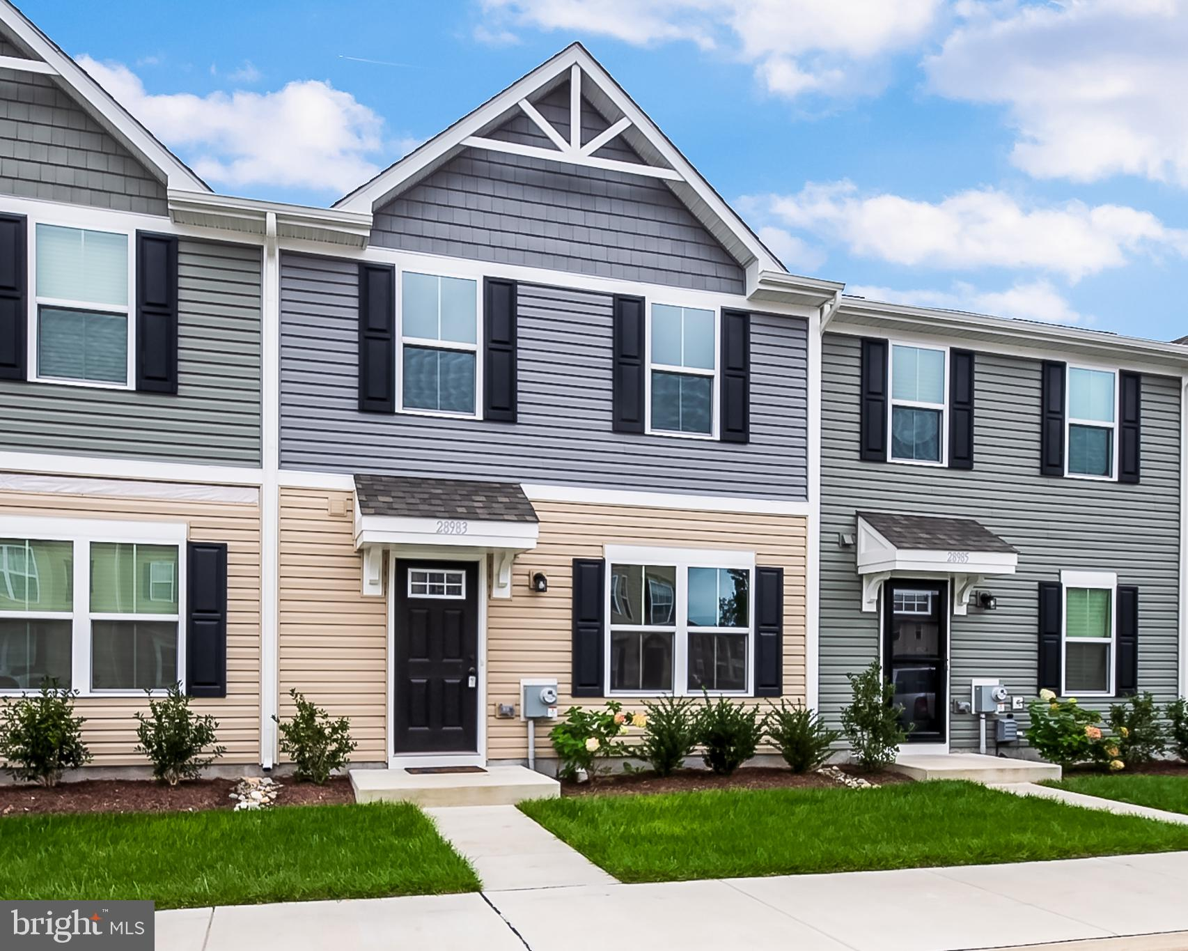 Welcome to St. Helen's Crossing in up & coming Millsboro, DE. Cute & move in ready town home featuri