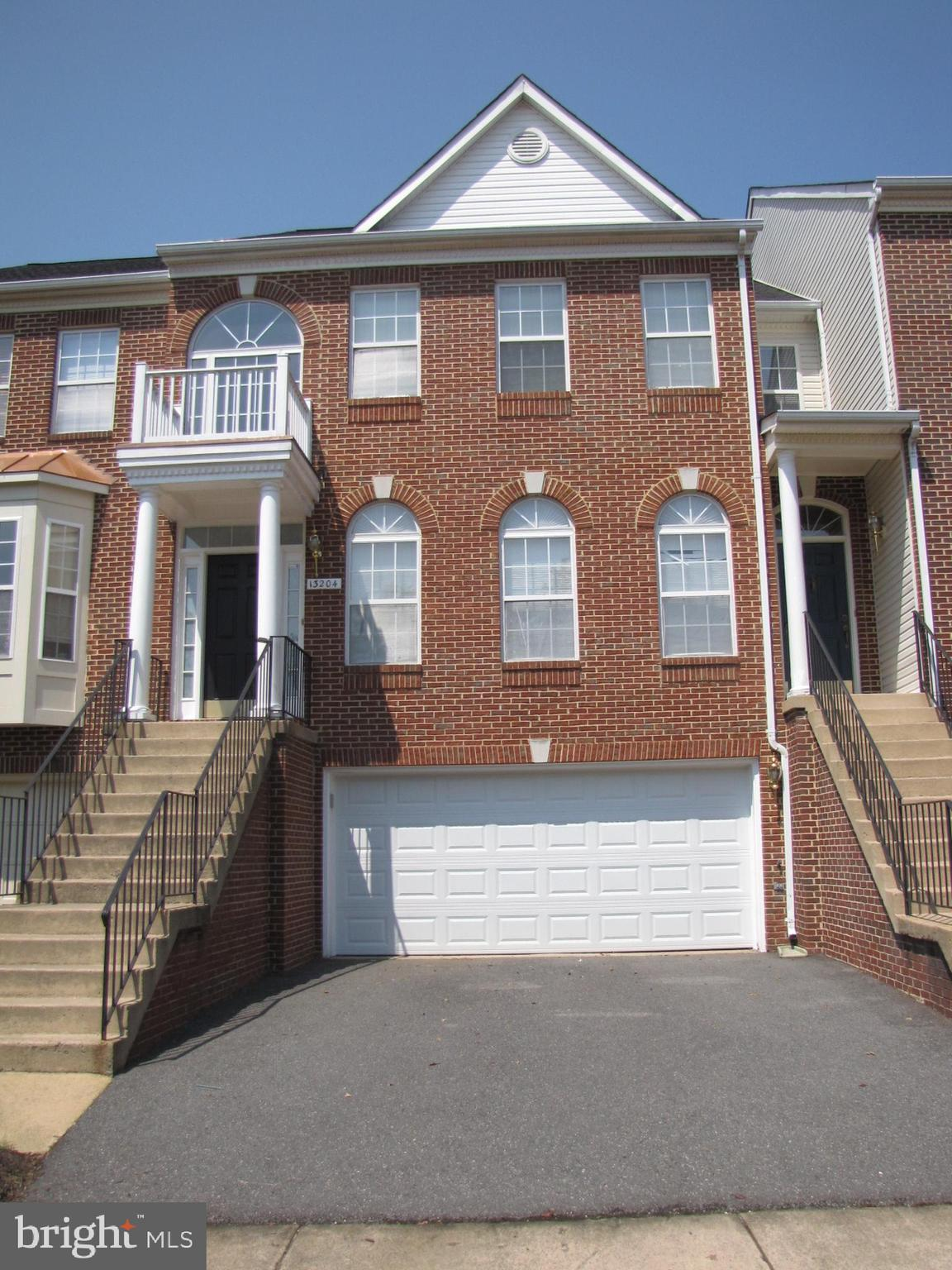 Spacious 2 car garage luxury town home in sought after Fair Lakes. Waterfront w/deck that OVERLOOKS