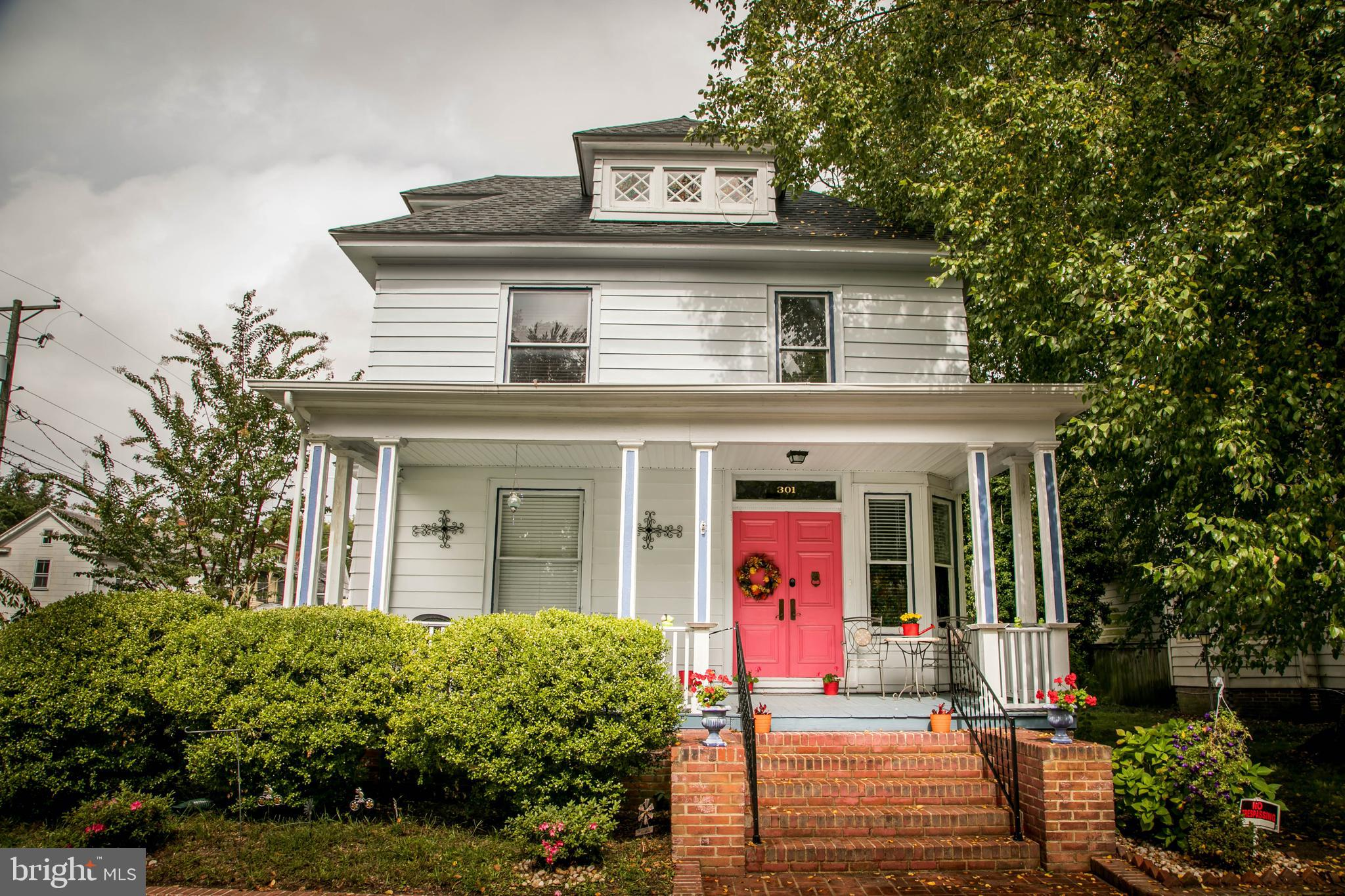 Take a look at this beautiful property in Newtown Historic District! From the moment you arrive at t