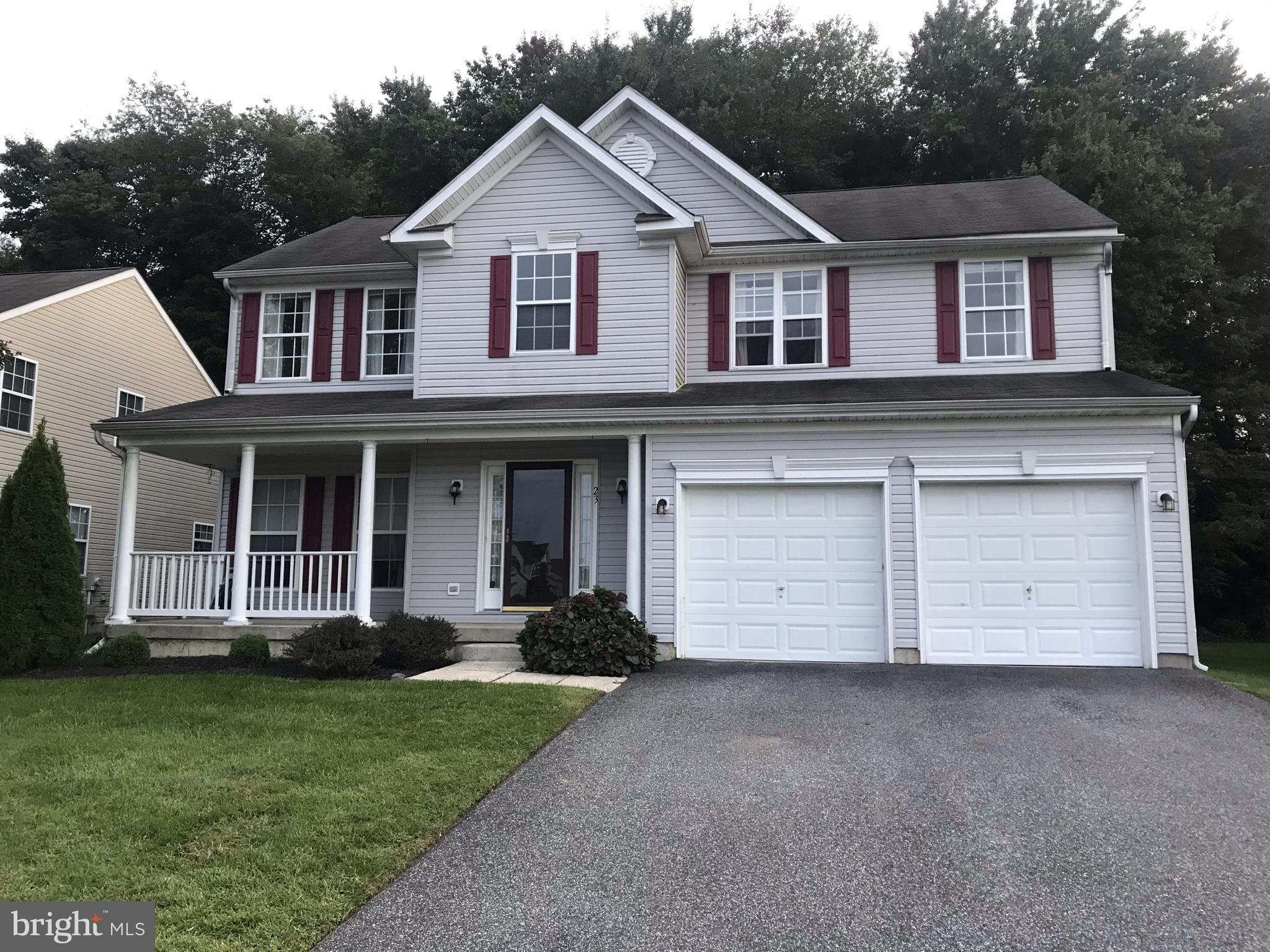 Well maintained 4 bedroom, 2.5 bath 2 car garage home now available in the community of Wynthorpe.