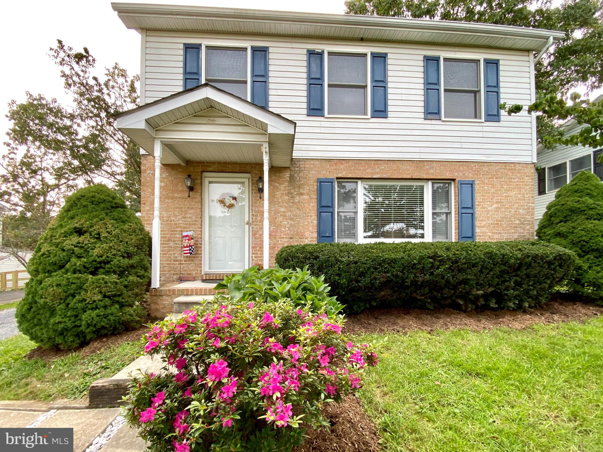 Very well maintained home in established neighborhood. Great commuter location, close to rt. 7, I 81