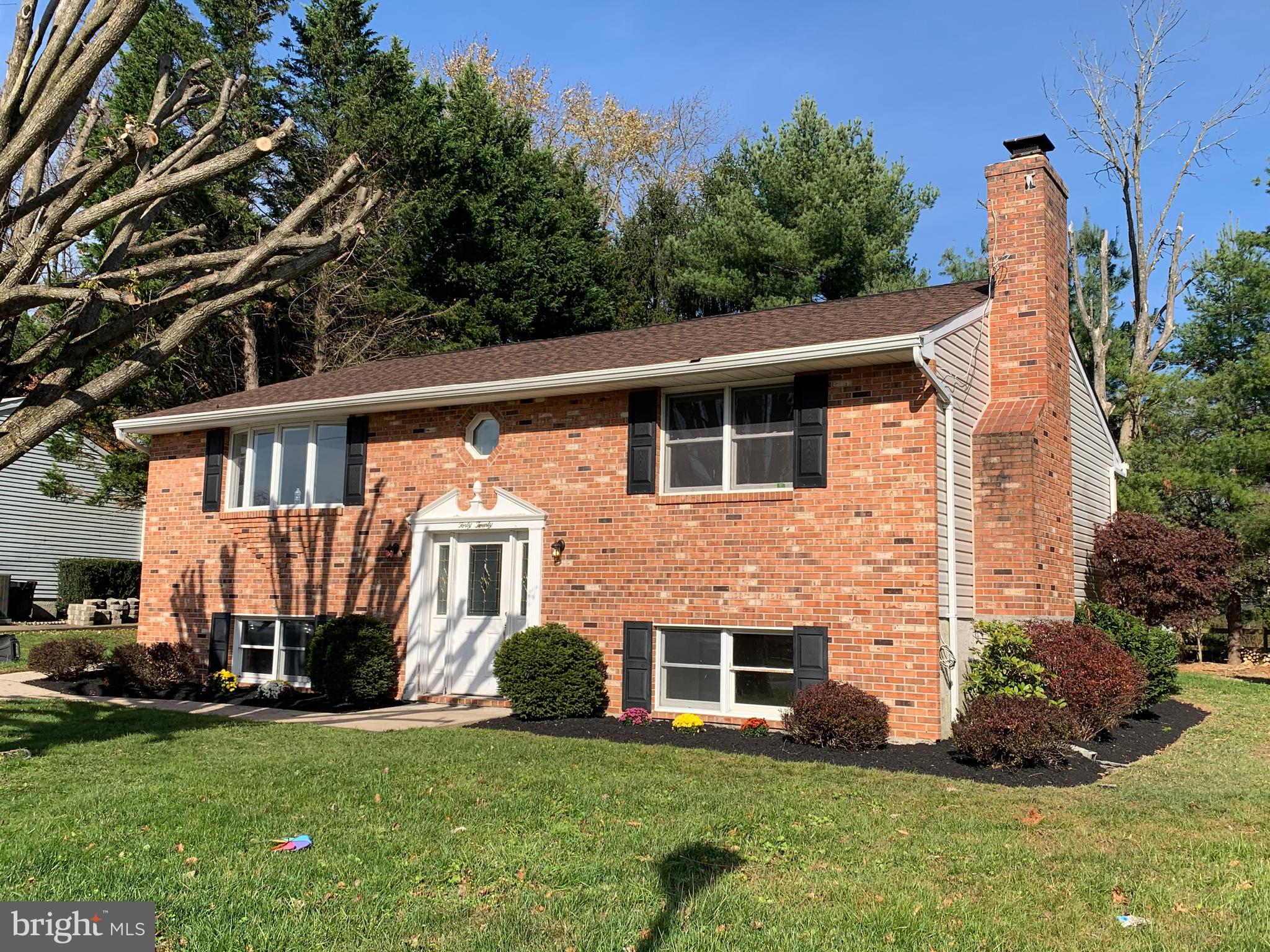 OPEN HOUSE SATURDAY, NOV 28 from 2:00-4:00