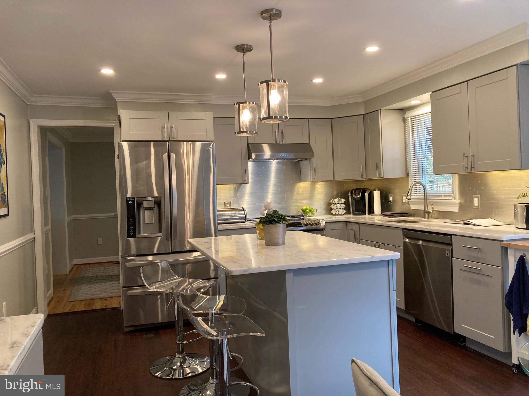 Immaculate Move-In Ready Lovely, Relaxing and Charming Renovated  Cape Cod /Colonial with many fruit