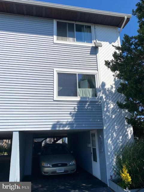 Great short sale opportunity in North Ocean City. Small townhouse complex that is self managed with low fees. Plenty of parking with carport and extra assigned spot. Large rear deck, nice open floor plan end unit with extra windows, just waiting for your personal touches and upgrading. Buyers must use CK Capitol Management short sale processor.