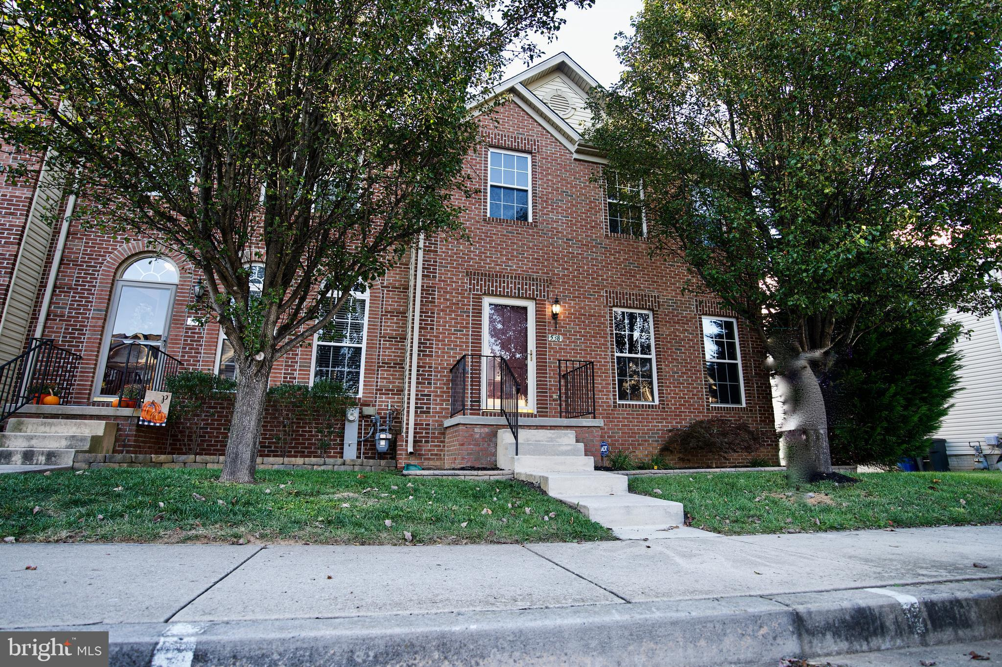 3 Bedroom 3.5 Bath End of Group Townhome located in the sought after MONMOUTH MEADOWS community. The