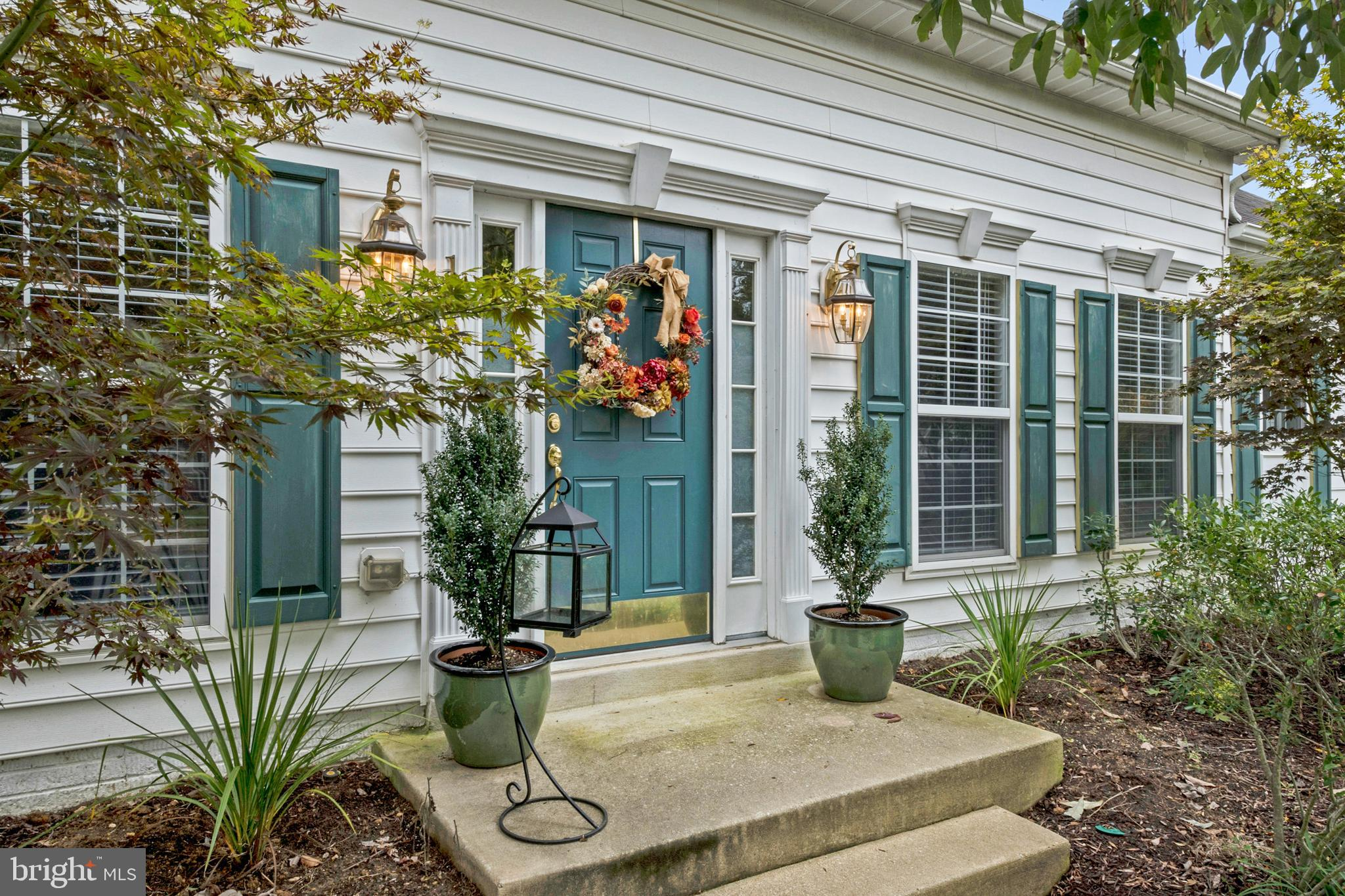Light-filled home within easy walking distance of pools and Clubhouse. Almost 2500 sq. ft. finished