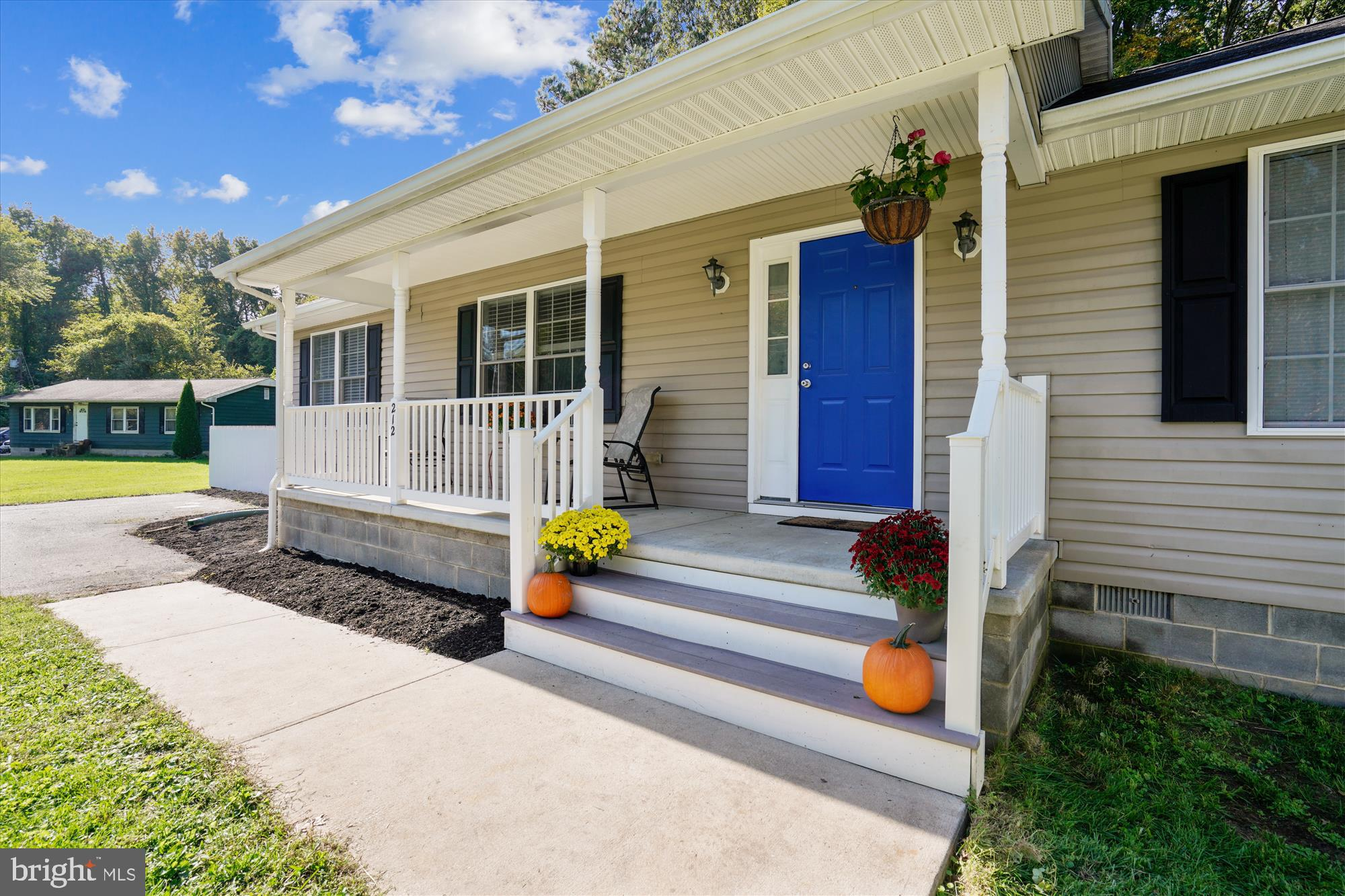 Look no further, wait till you see this newly renovated BEAUTIFUL 3 bedroom 2 bath CHEERY and SPACIO