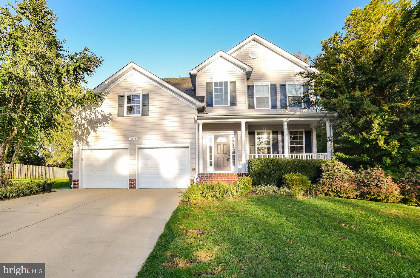 Welcome Home to this beautiful home located in Pembrooke.  The property sits at the end of a quiet c