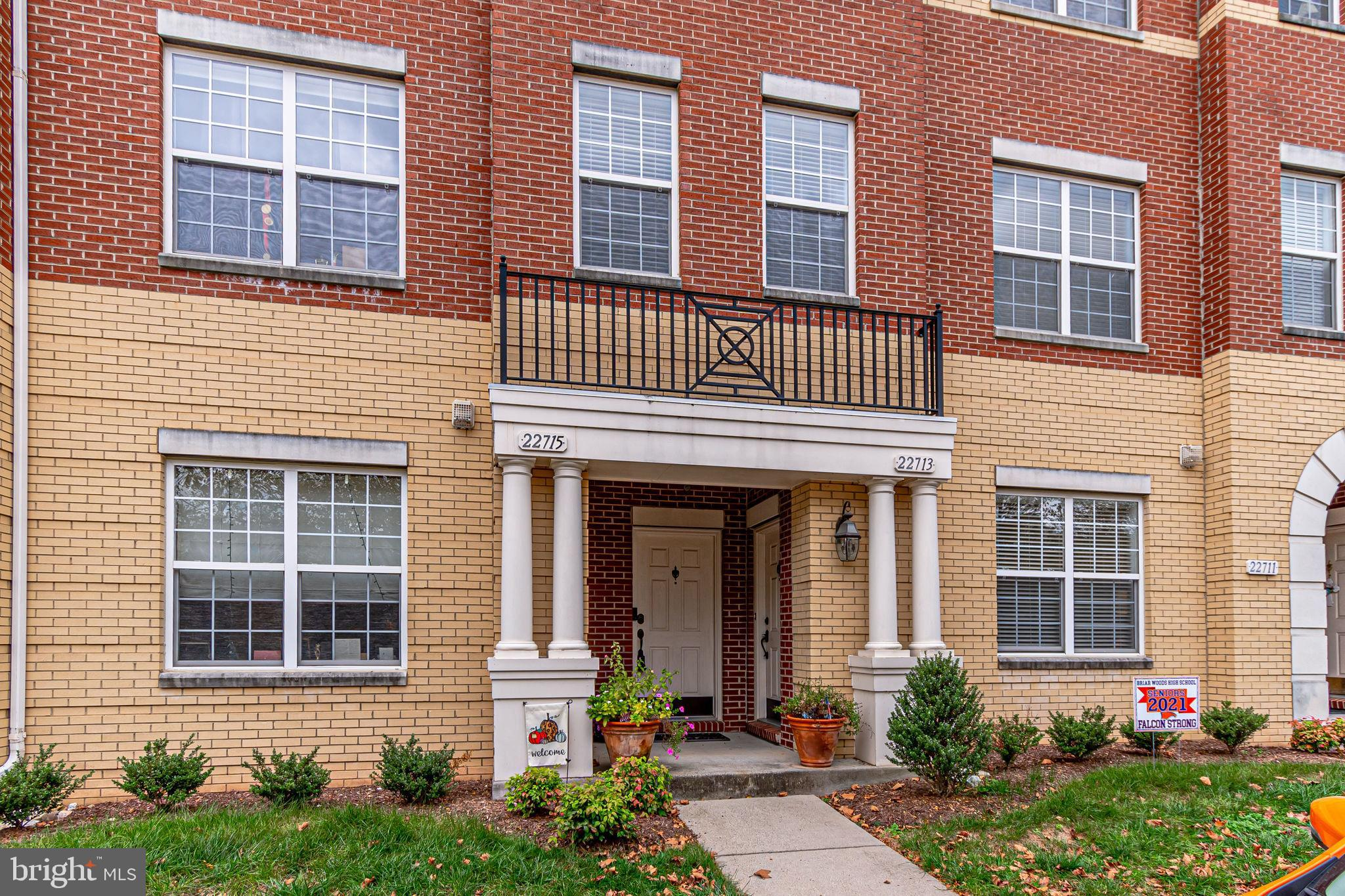 Public Open House Sunday 10/25 from 1-3pm. Stunning 3BR, 2.5BA condo/townhouse with attached one car