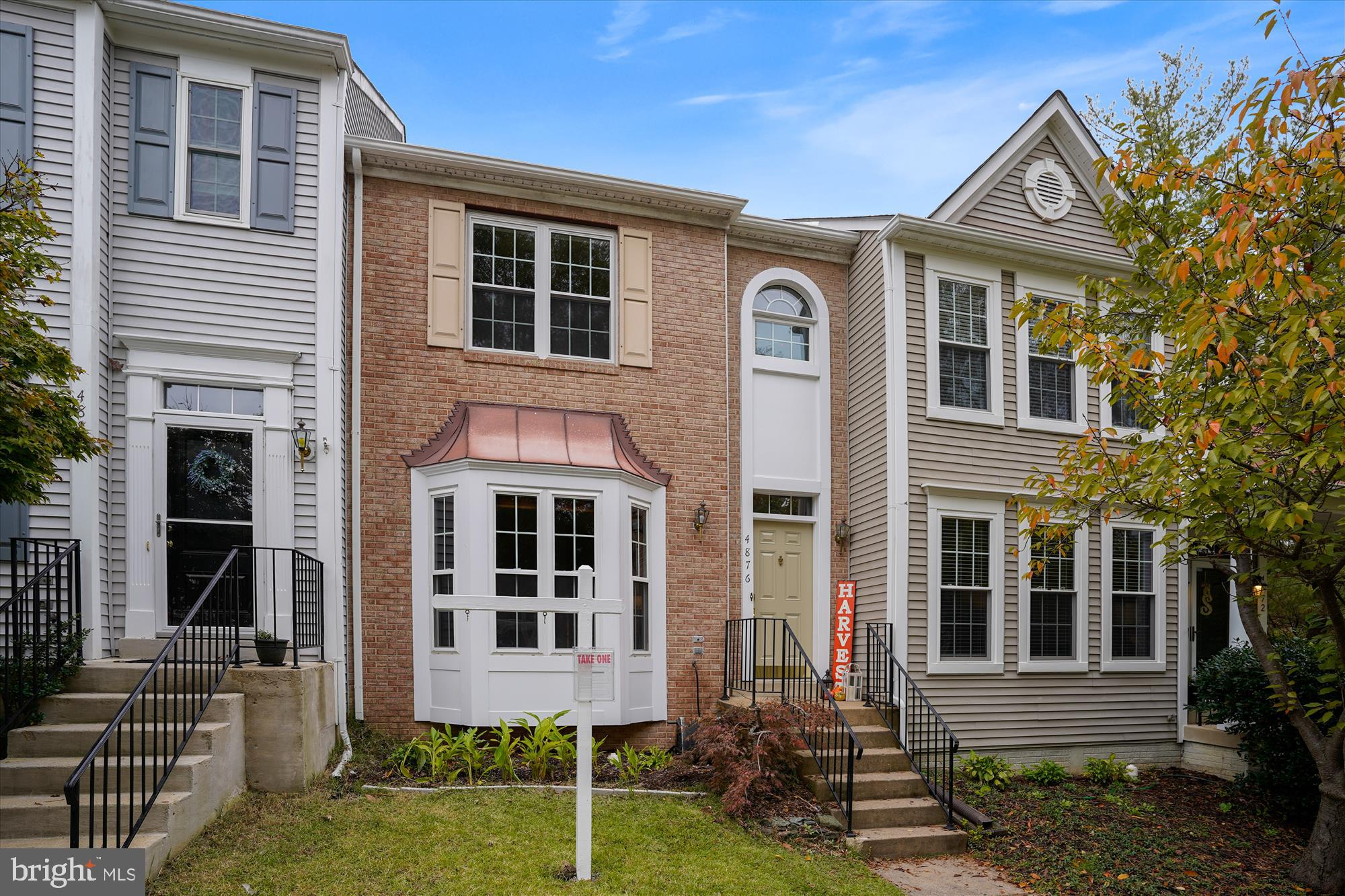 Spectacular townhome in the desirable Southlake section of Montclair! Renovated kitchen,  new roof,