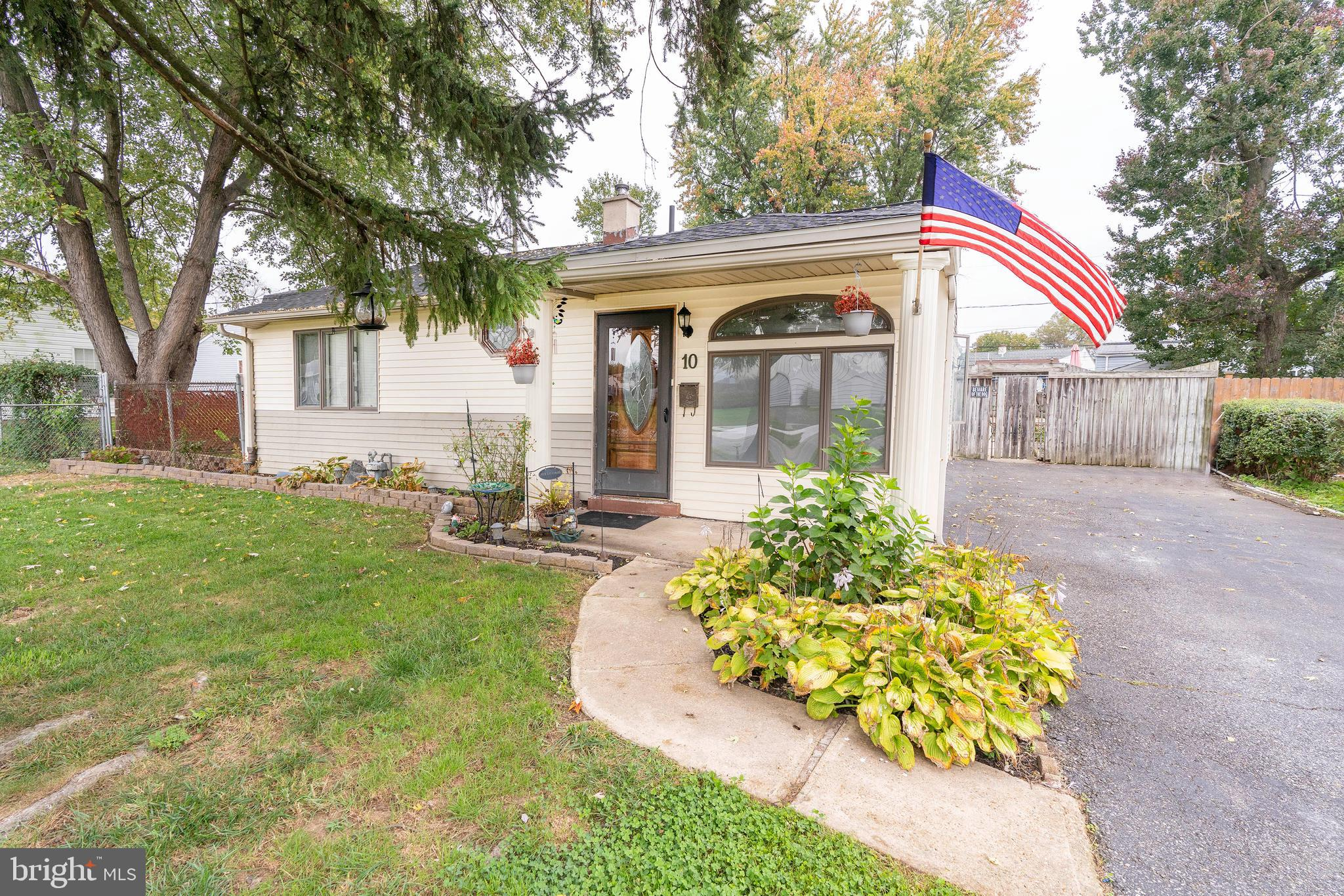 This beauty is not your typical Castle Hills home! One floor living with an open flow, extra square