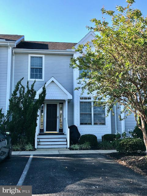 Beautiful pondfront 3 bedoom 2.5 bath townhome located in the sought after area of West Ocean City.