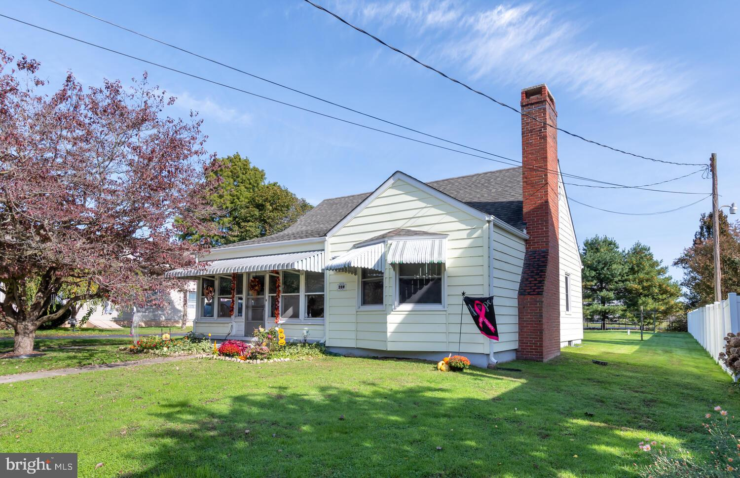 COME ENJOY SMALL TOWN LIFE ON THE SHORE.  CUTE 3 BED 1.5 BATH CAPE COD MUCH LARGER THAN IT APPEARS (