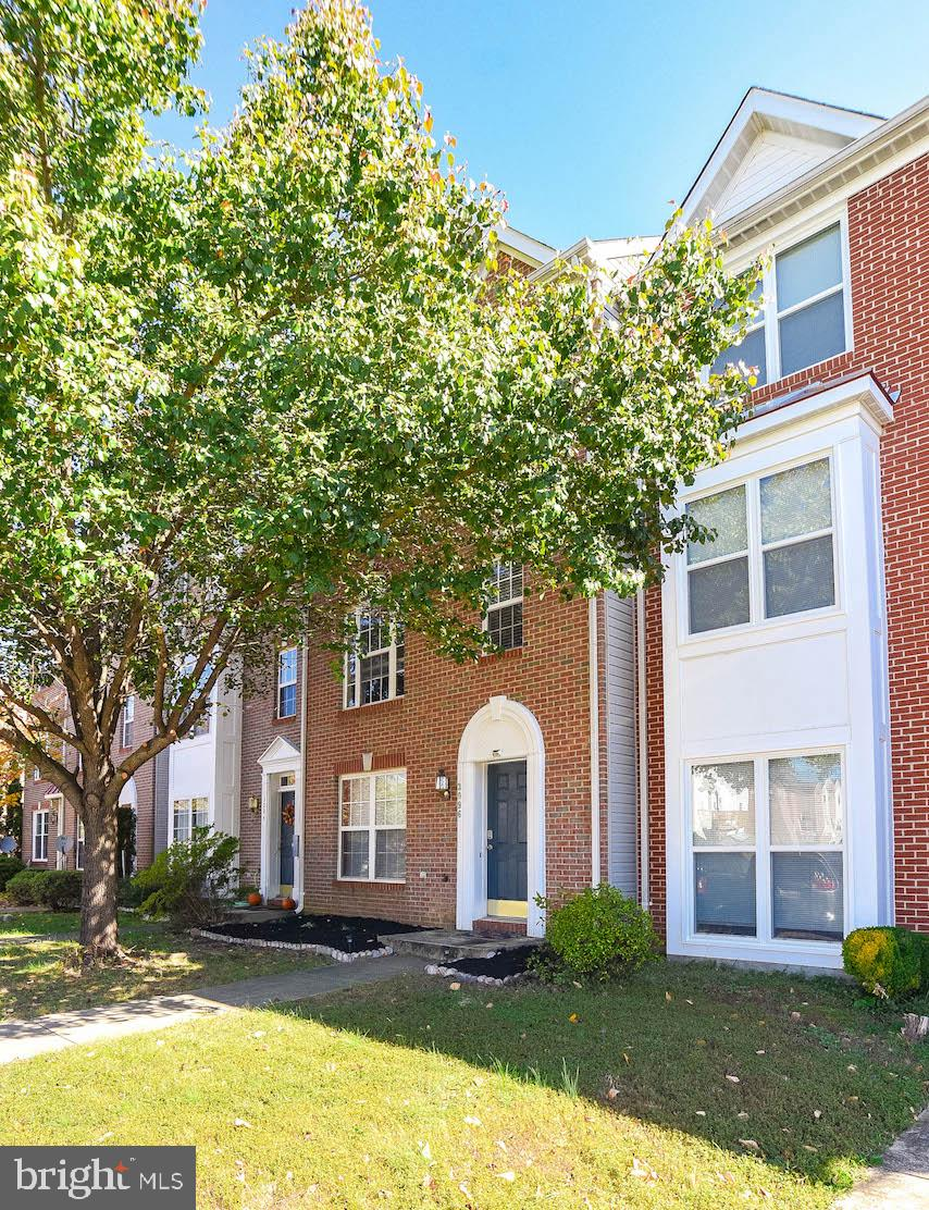 Spacious 3 level brick front  townhome in the perfect location with lots of community amenities! THR