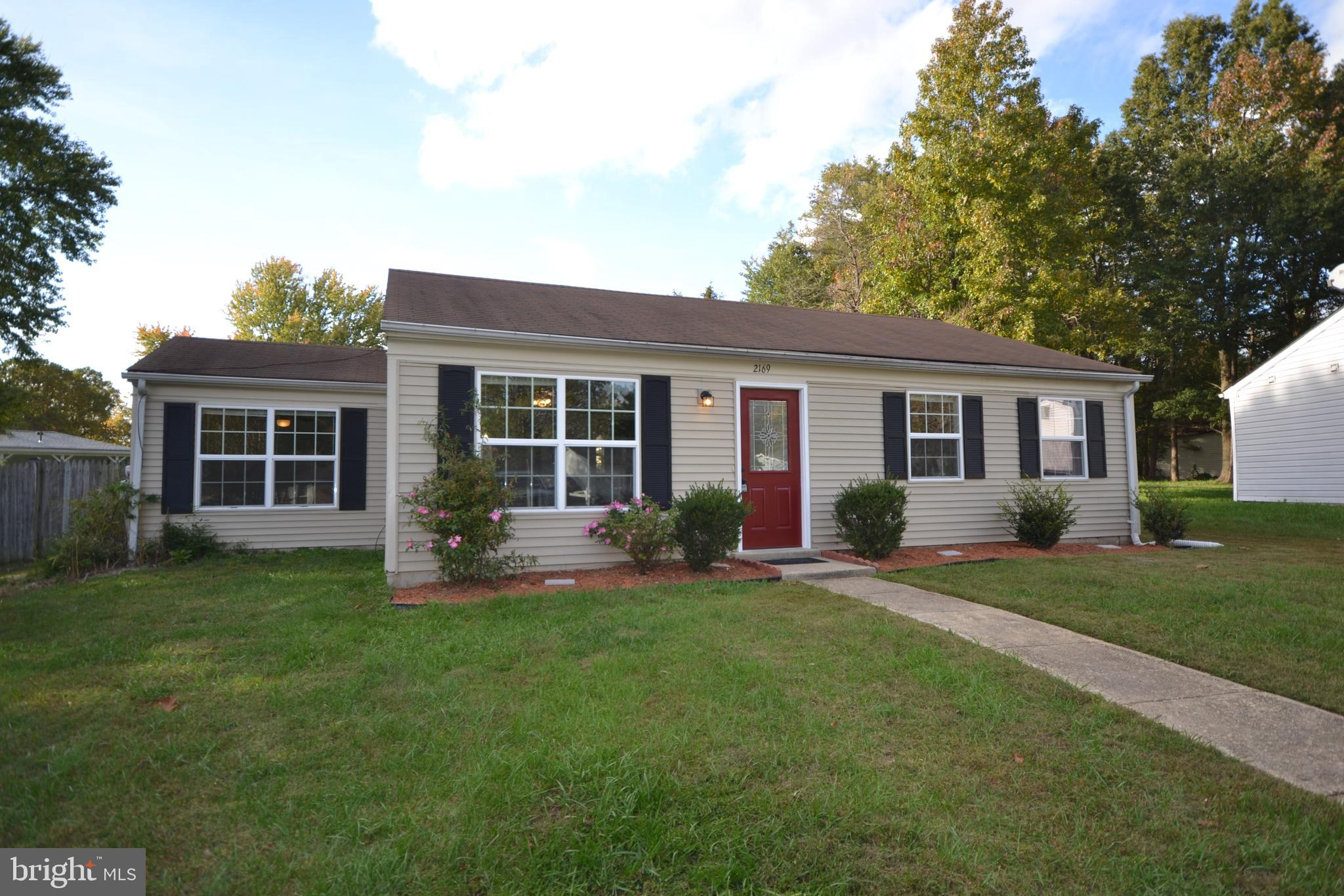 Located in a quiet cul-de-sac of a desirable neighborhood in Waldorf, this recently renovated home i
