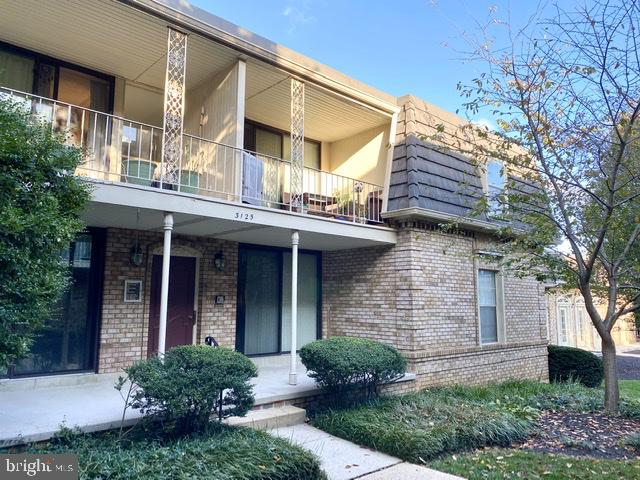 Great Value 2BR/2BA Condo w/ Garage Parking! Oversized covered balcony. Spacious closets & storage.