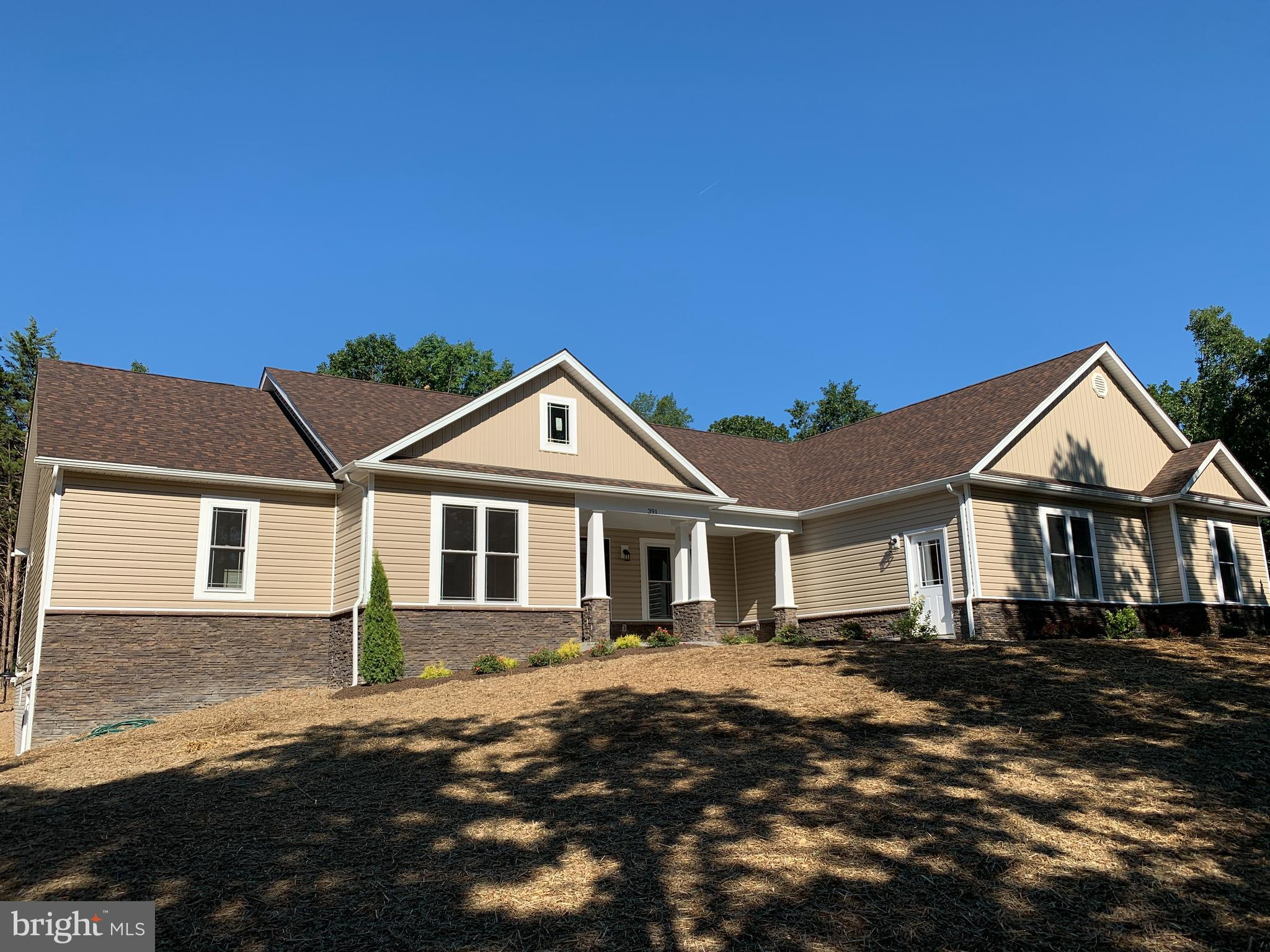 Another quality home offered by H&H Builders Inc. 2.7 unrestricted  open lot with mountain views and