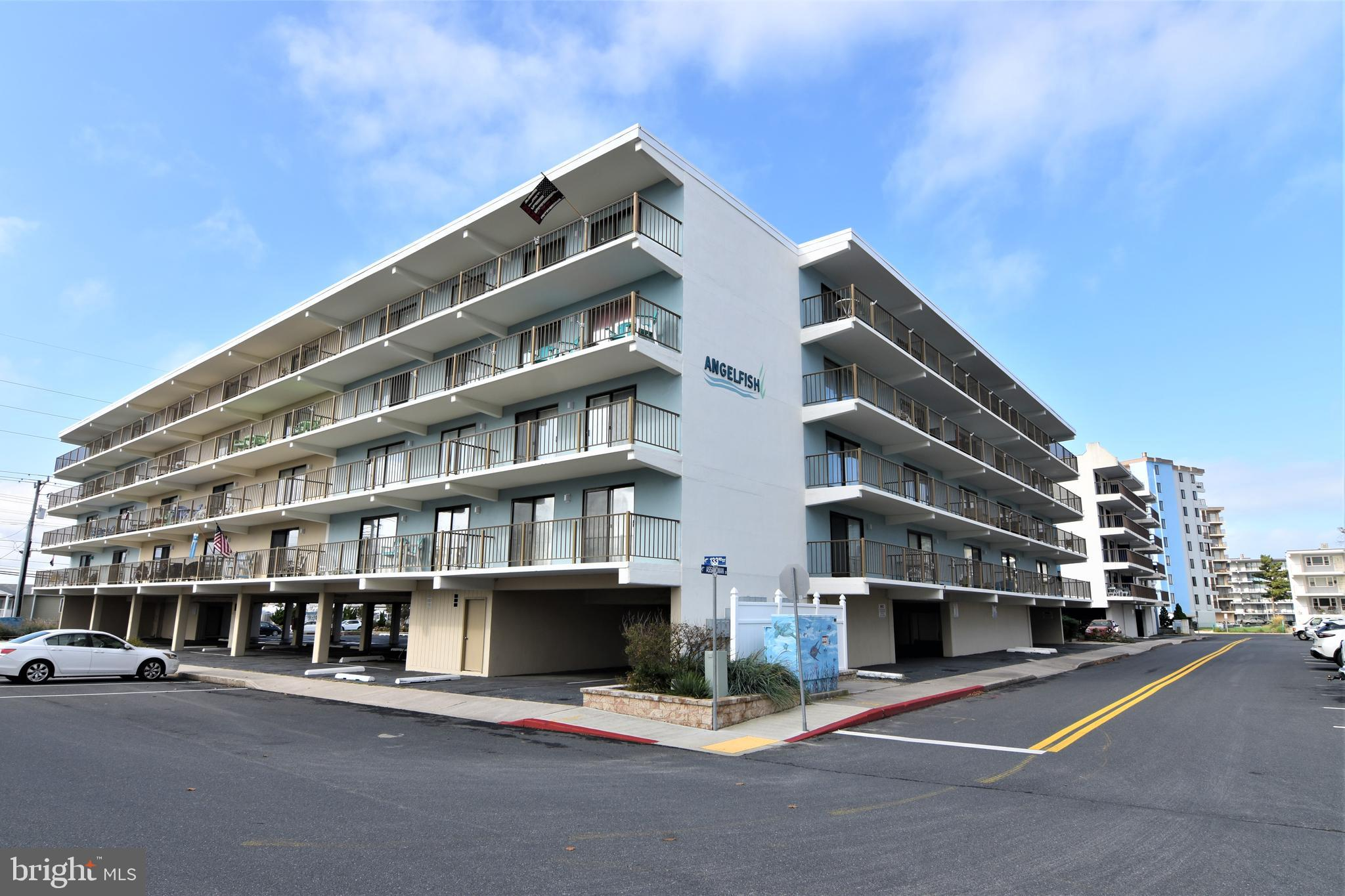 WHAT A GREAT LOCATION, 133RD ST, OCEAN BLOCK, 2 BR 2 BA, 401 ANGELFISH, GREAT OCEAN AND BAY VIEWS, T
