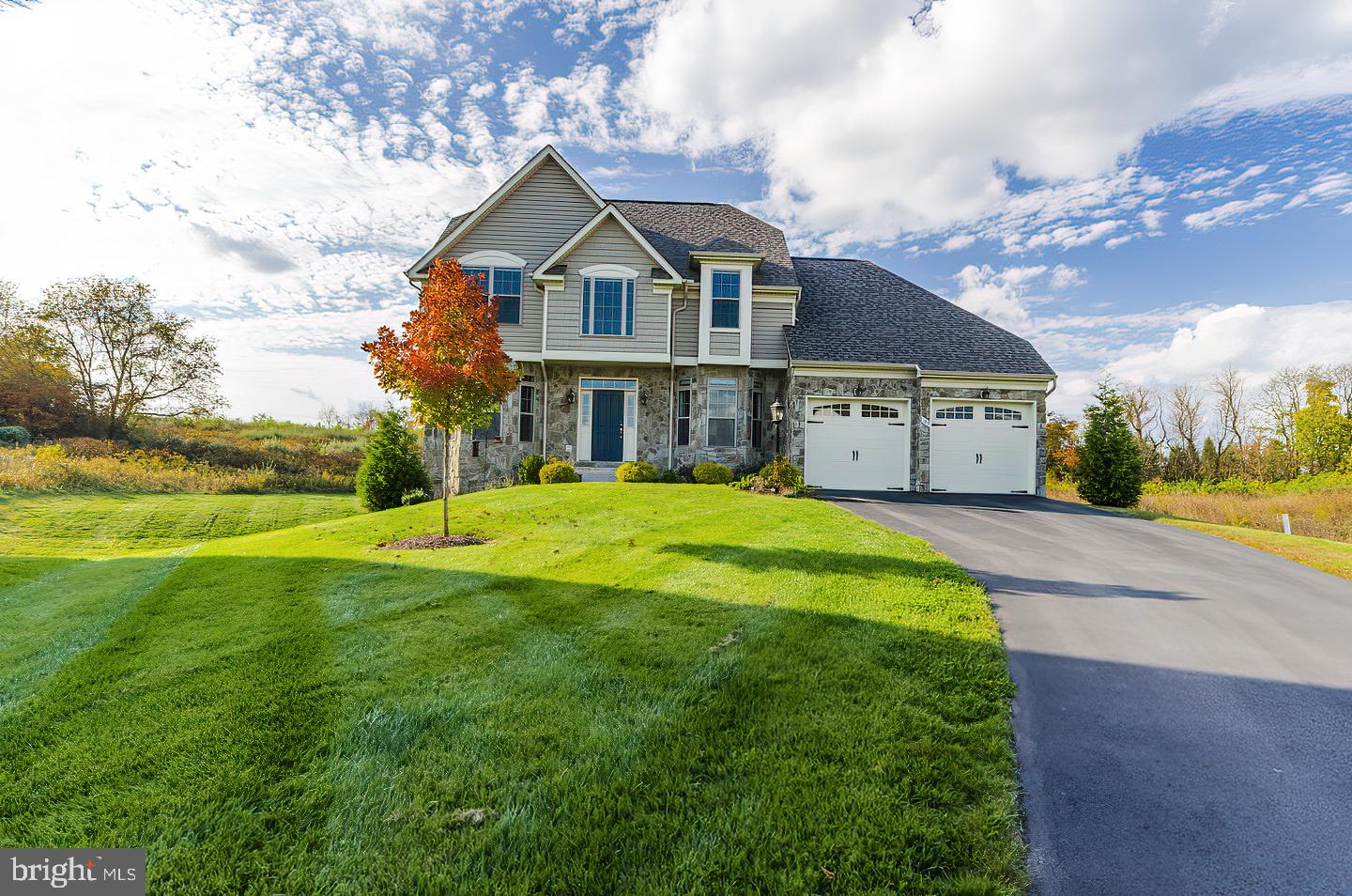 Gorgeous home in Beallair!  The HOA dues include general lawn care such as mowing, weed treatments,