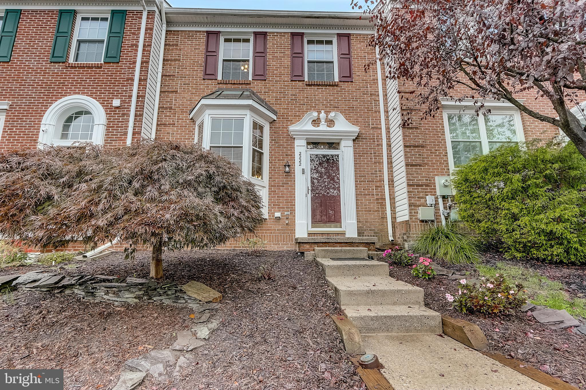 ***Back on Market - Buyer Financing Fell Through*** Well maintained townhome in sought after Belle M
