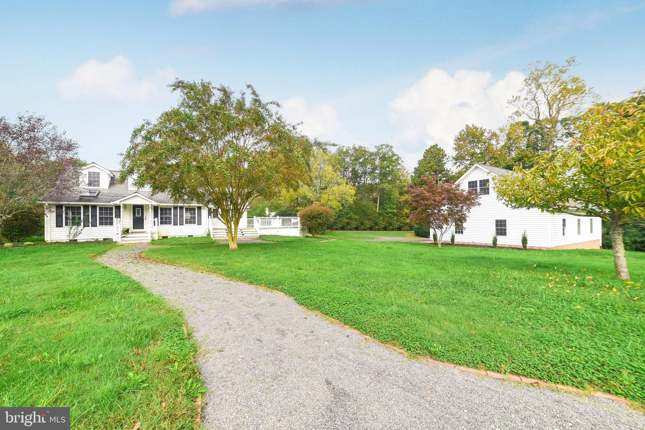 This is the one!  If you are looking for privacy, storage, a beautiful setting, a large detached gar