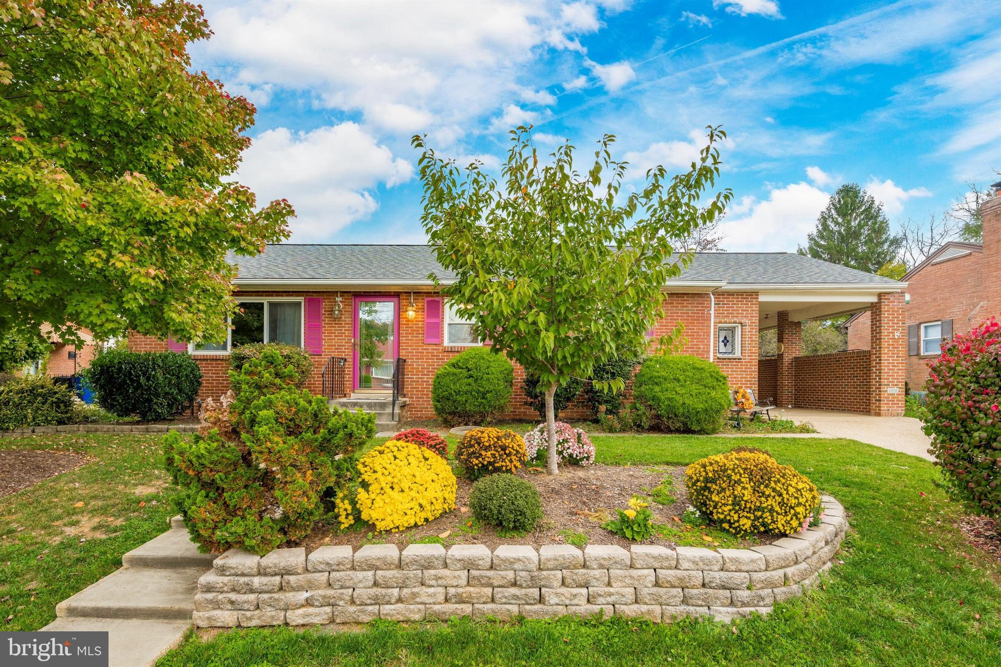 Charming brick rancher in sought-after Glade Village. Large, mostly fenced yard offers endless possi