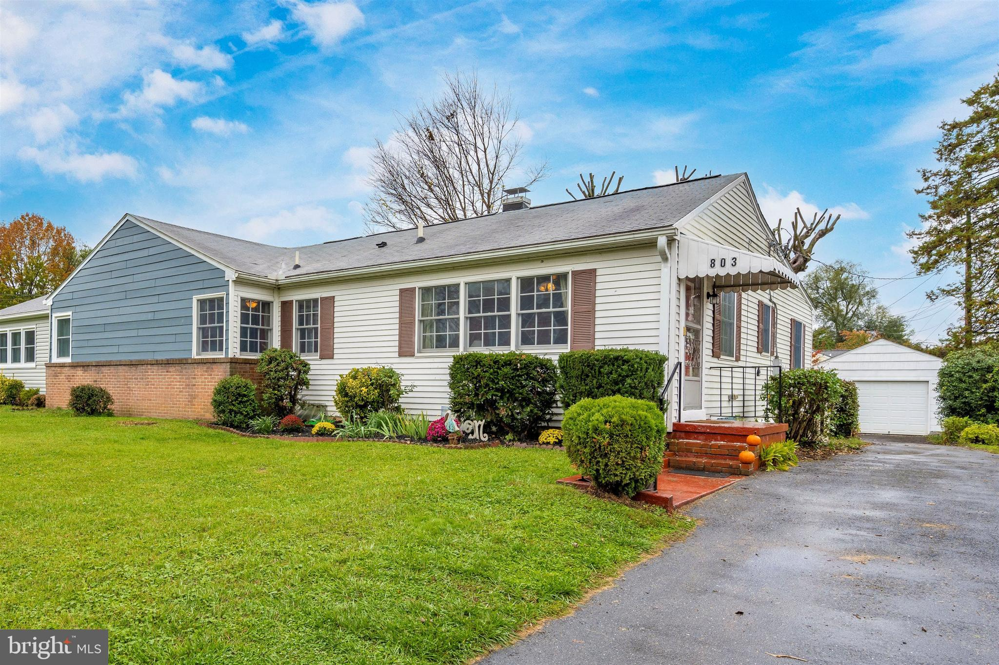 LOCATION! This RANCH style home is located on a quiet street within walking distance to  schools, pa