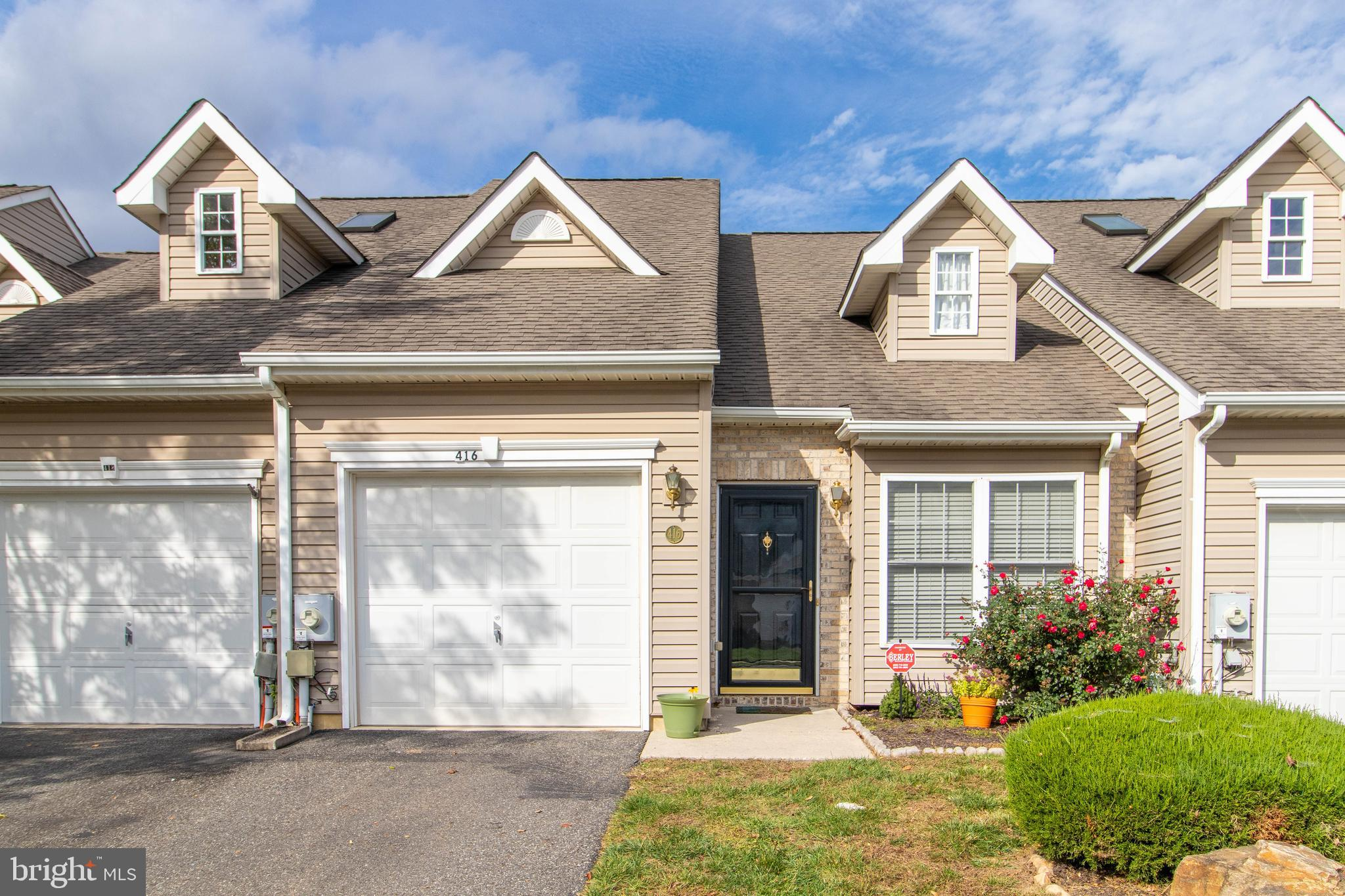 Welcome to 416 Sweetman Drive! This fantastic 2 bedroom townhome in the community of Crossings at Ch