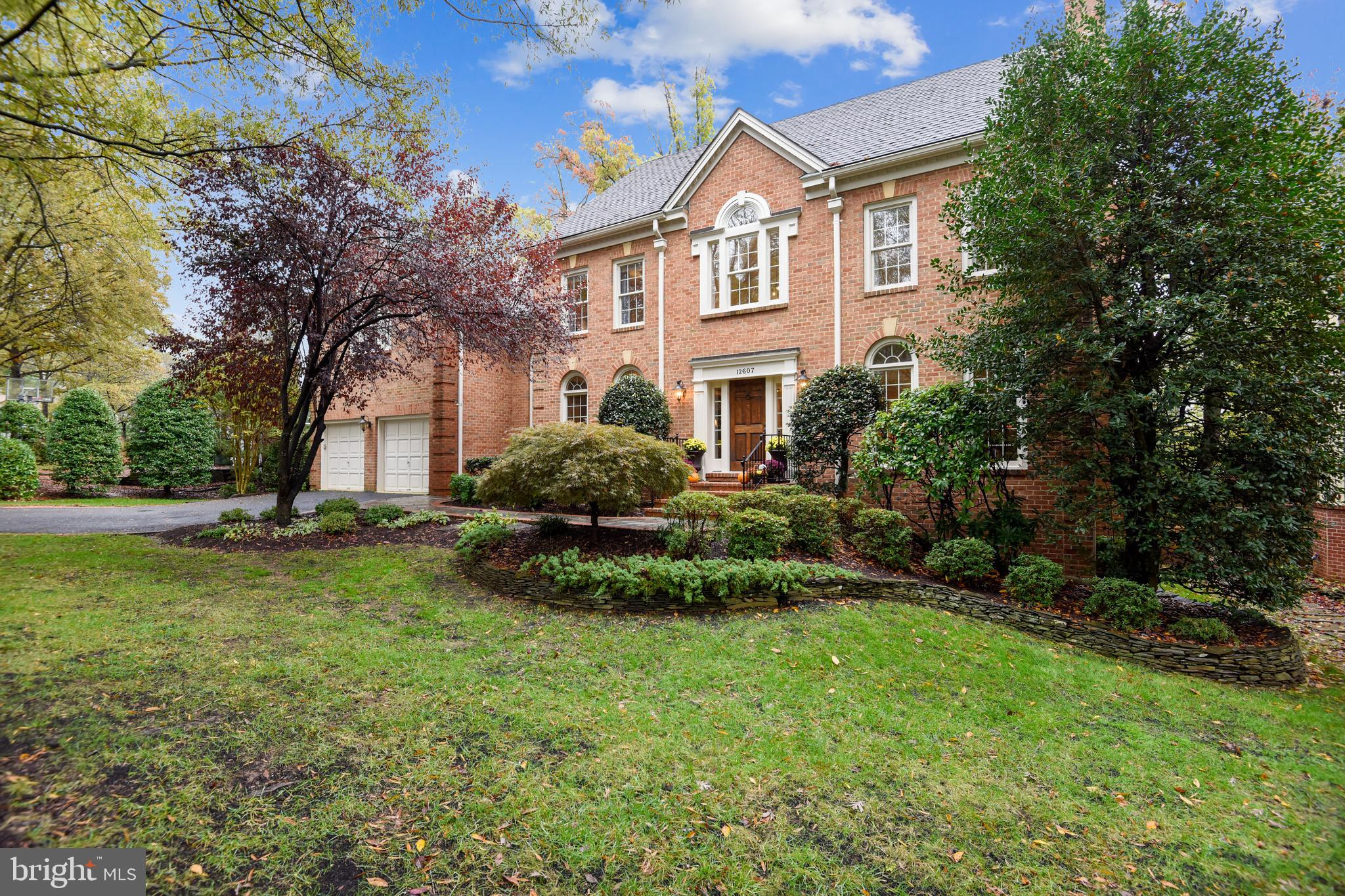 * This beautiful Century Oak property falls into the Oakton Pyramid and has incredible upgrades and