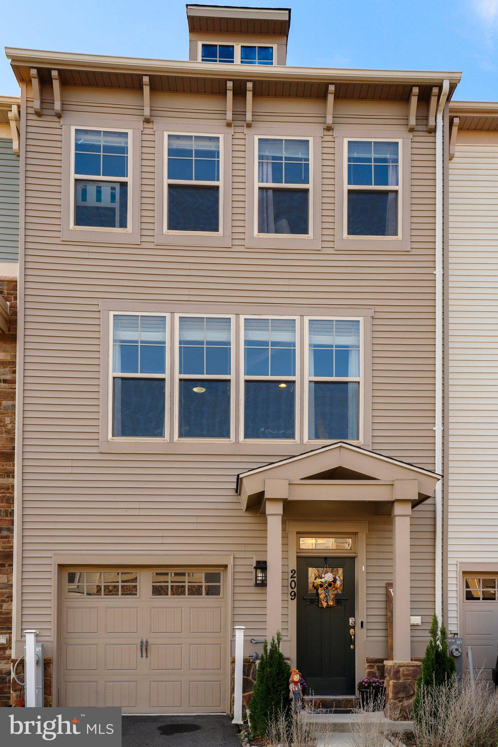 Beautiful Townhome located in Tanyard Cove North Community. This home features 3 bedrooms, 2 full ba