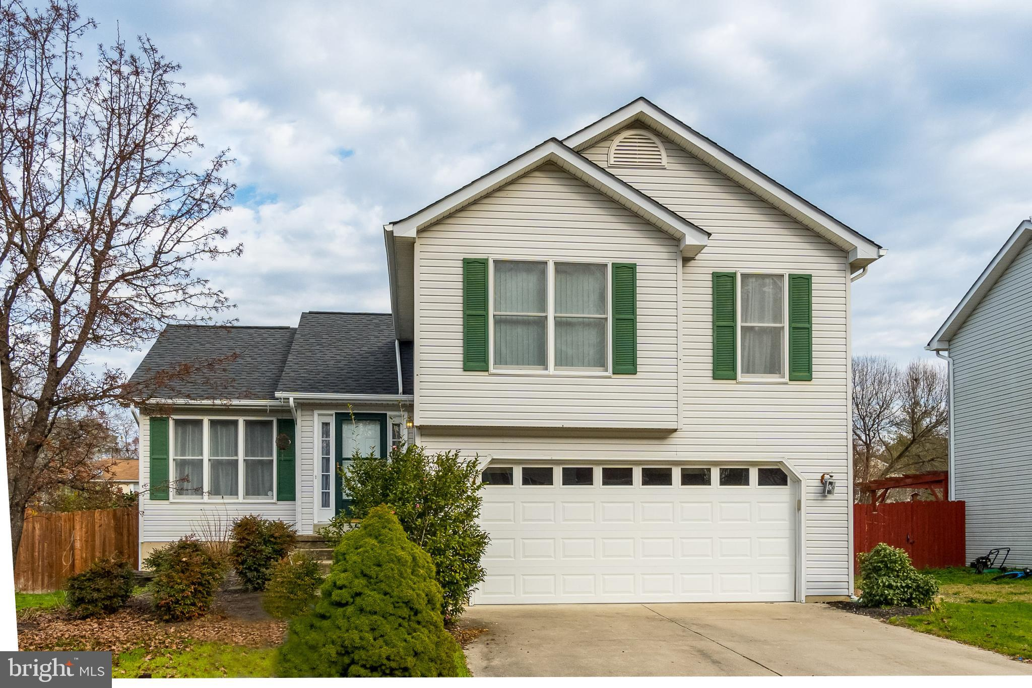 AVAILABLE IMMEDIATELY!  Located just 2 miles from the Naval Air Station Patuxent River! Beautiful sp