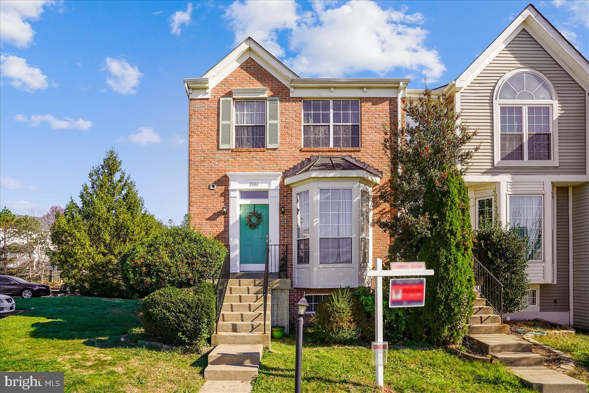 On the market on 11/24, Photos Coming Soon! End Unit Brick Front Townhome in Convenient Southbridge