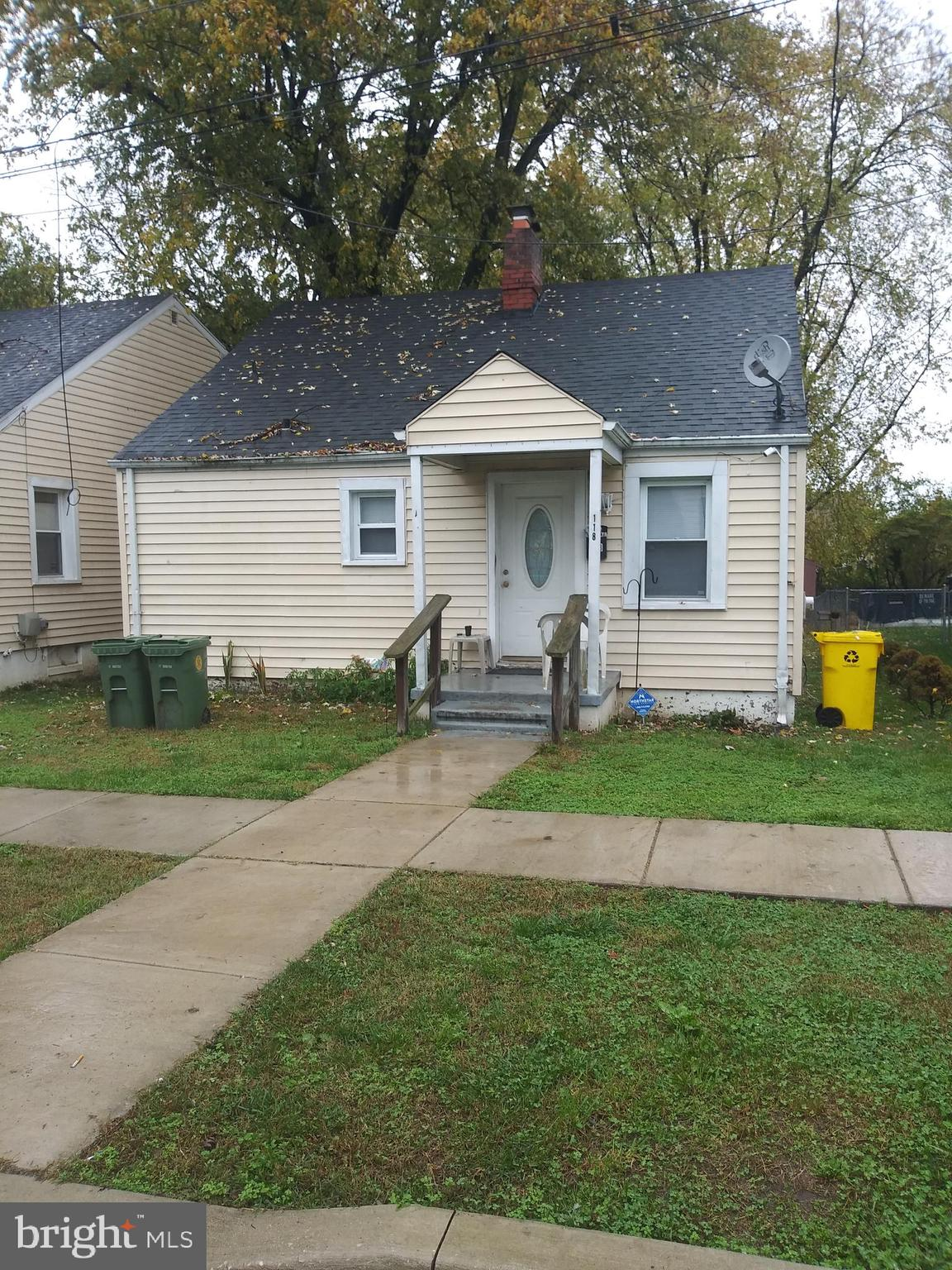 INVESTOR OPPORTUNITY.    SINGLE FAMILY HOME IN AA COUNTY ON LARGE LOT.   TENANT OCCUPIED AT $1200 PER MONTH.    KEEP AS RENTAL OR UPGRADE AND RESELL.  118 FRANKLIN ALSO FOR SALE.  BUY BOTH AT A REDUCED PRICE.