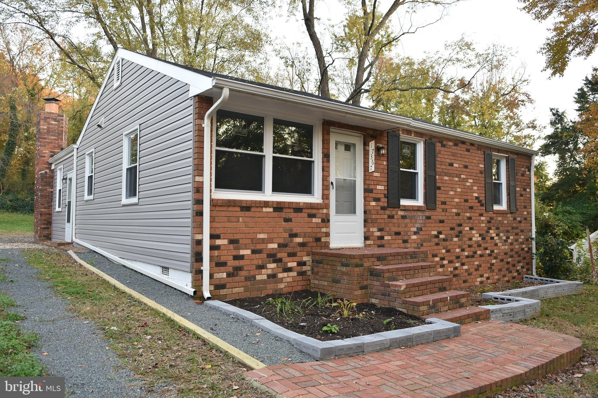Back to the market !! Good location !! Beautiful & gorgeous  remodeled , upgraded rambler on a big l