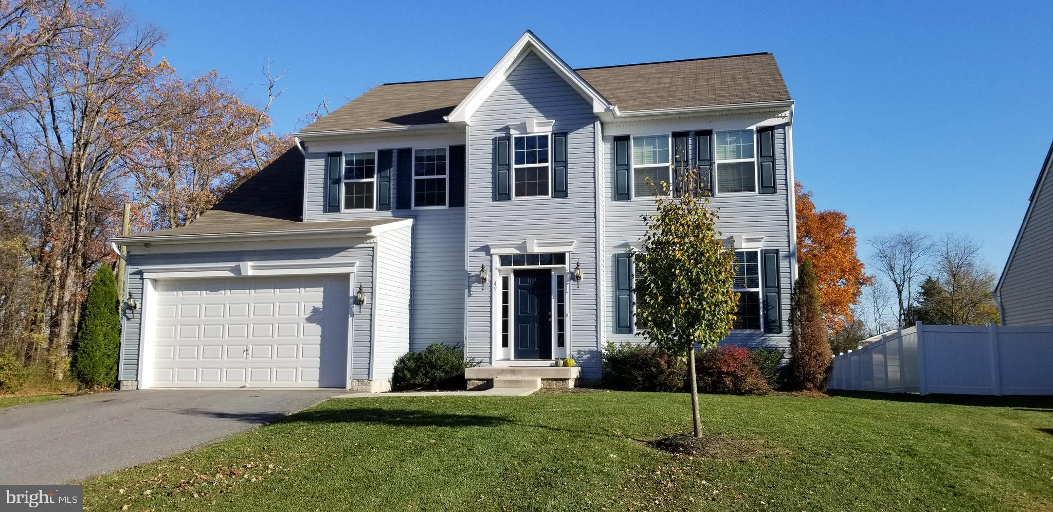 The owners are sad to leave this lovely colonial on a corner lot in Creekside!  Only 5 years young,
