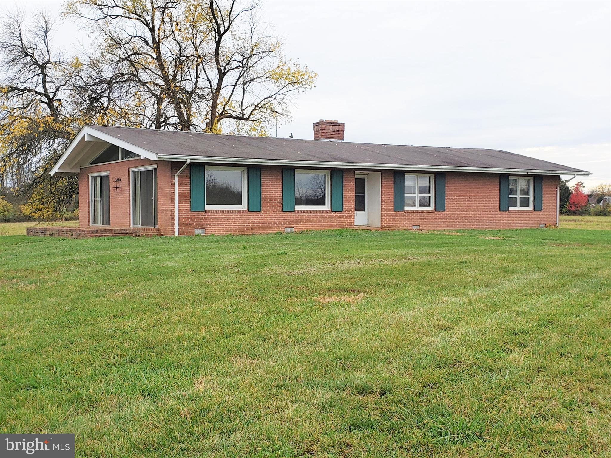 Outstanding Clarke County location, less than a mile from small town of Boyce (with post office, ban