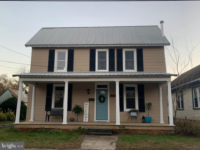 Delmar School District! 3 bedrooms and 2 bathrooms that are completely remodeled from top to bottom