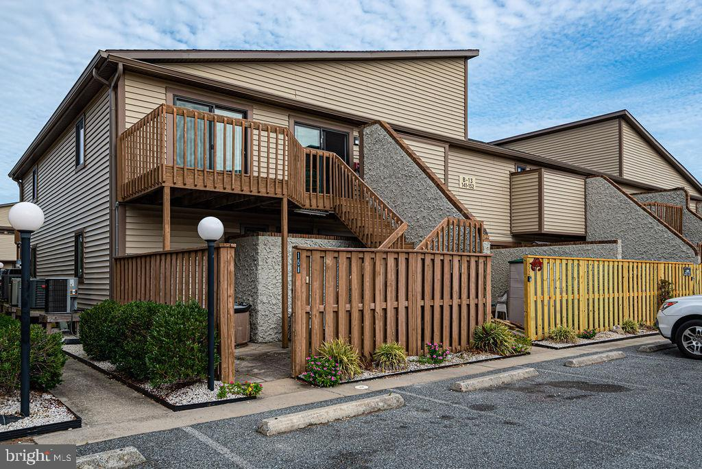 More for your money!  2 bedroom 2 bath upper end unit condo in popular Club Ocean Villas 2.  Complex features indoor/outdoor pools, outdoor tennis and indoor racquetball courts.  Great location within walking distance to the beach, numerous restaurants, shopping and Northside Park.