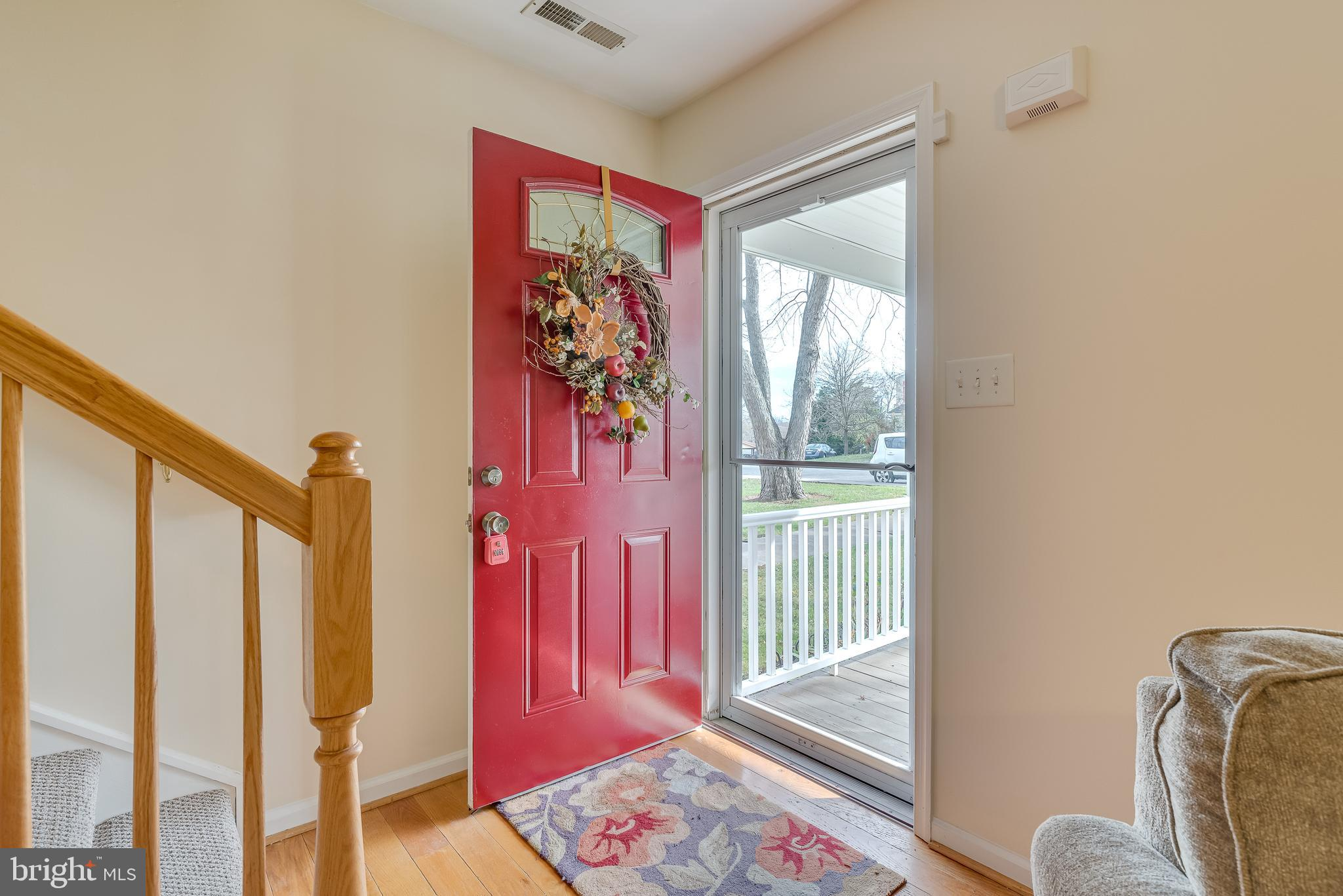 Cute Duplex in the heart of Charles Town with easy access to all main roads. Home has two Main suite