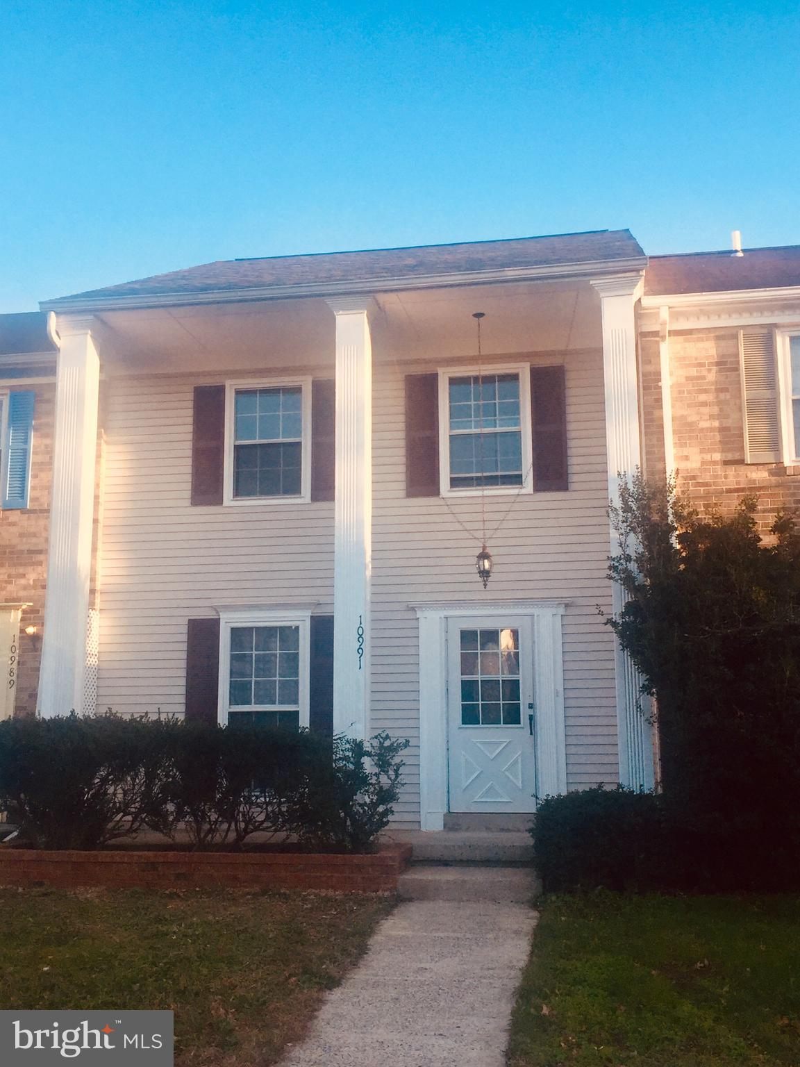 This home is a WOW! Bright, Open & Beautifully updated 3 bed, 3.5 bath Town home conveniently locate