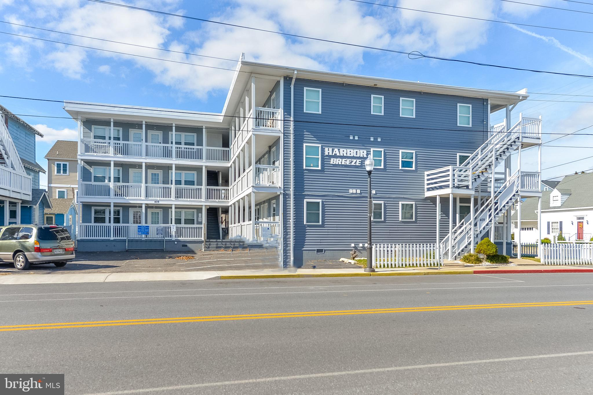Highly sought after Prime Bayside Condo with Pool and Parking at 5TH Street and Saint Louis Ave, Excellent Rental Income, Top Floor South End Unit. Unit is in Excellent Condition, Washer and Dryer Hookup in the Unit, Just a Few Blocks to the Beach and Boardwalk. Walk to Lazy Lizard and MR Ducks, Come down and check this place out.  This place will not last Long. Lets Go!