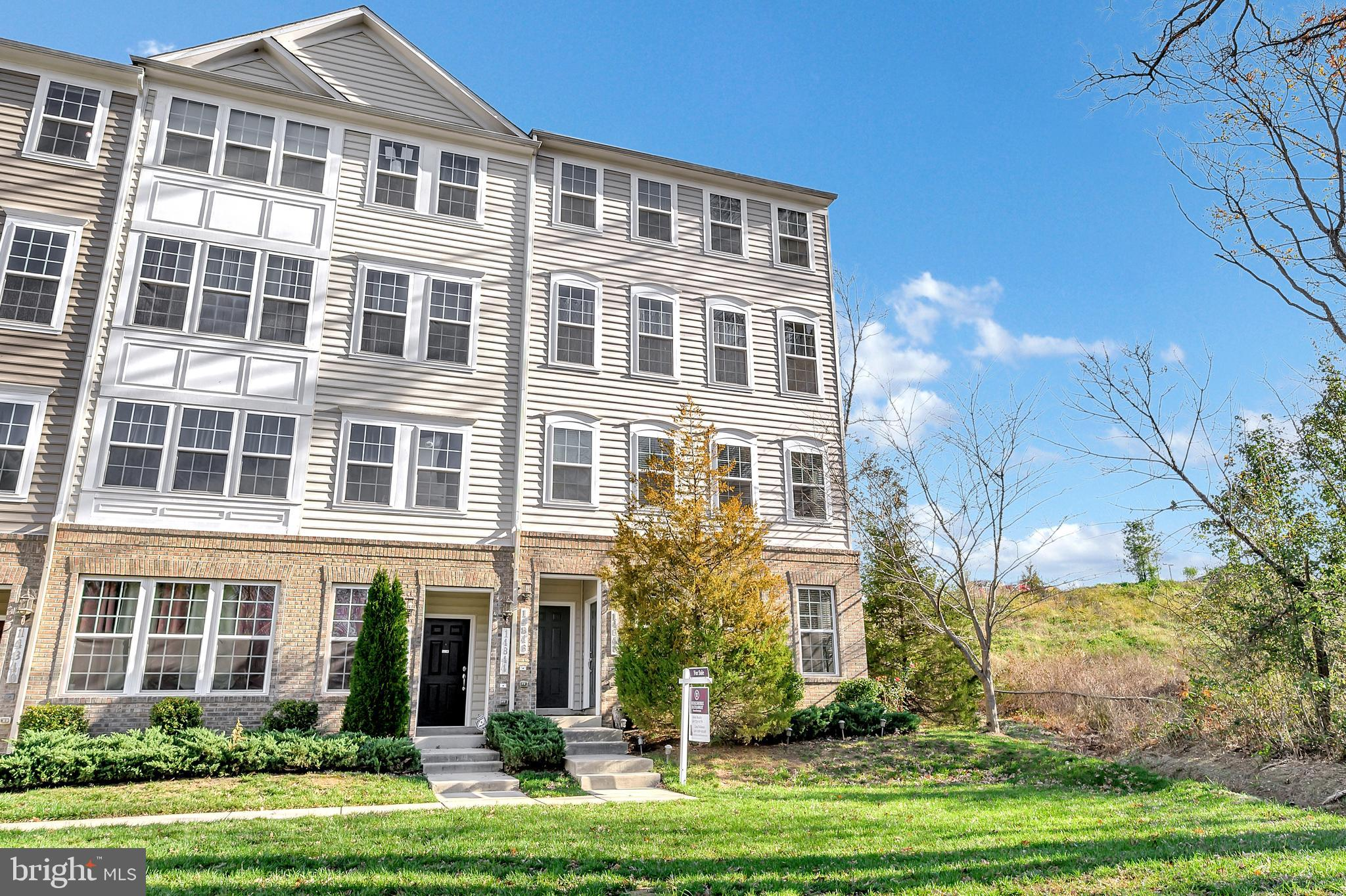 2 level condo townhome. This end unit townhome has been remodeled with all the bells and whistles. A